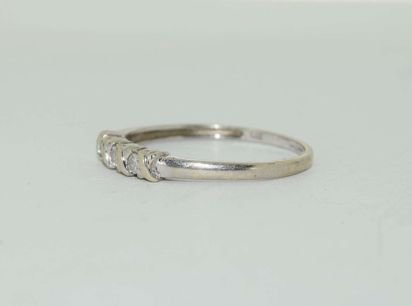 9ct white gold diamond 3 stone ring h/m for 0.1ct size Q - Image 7 of 12