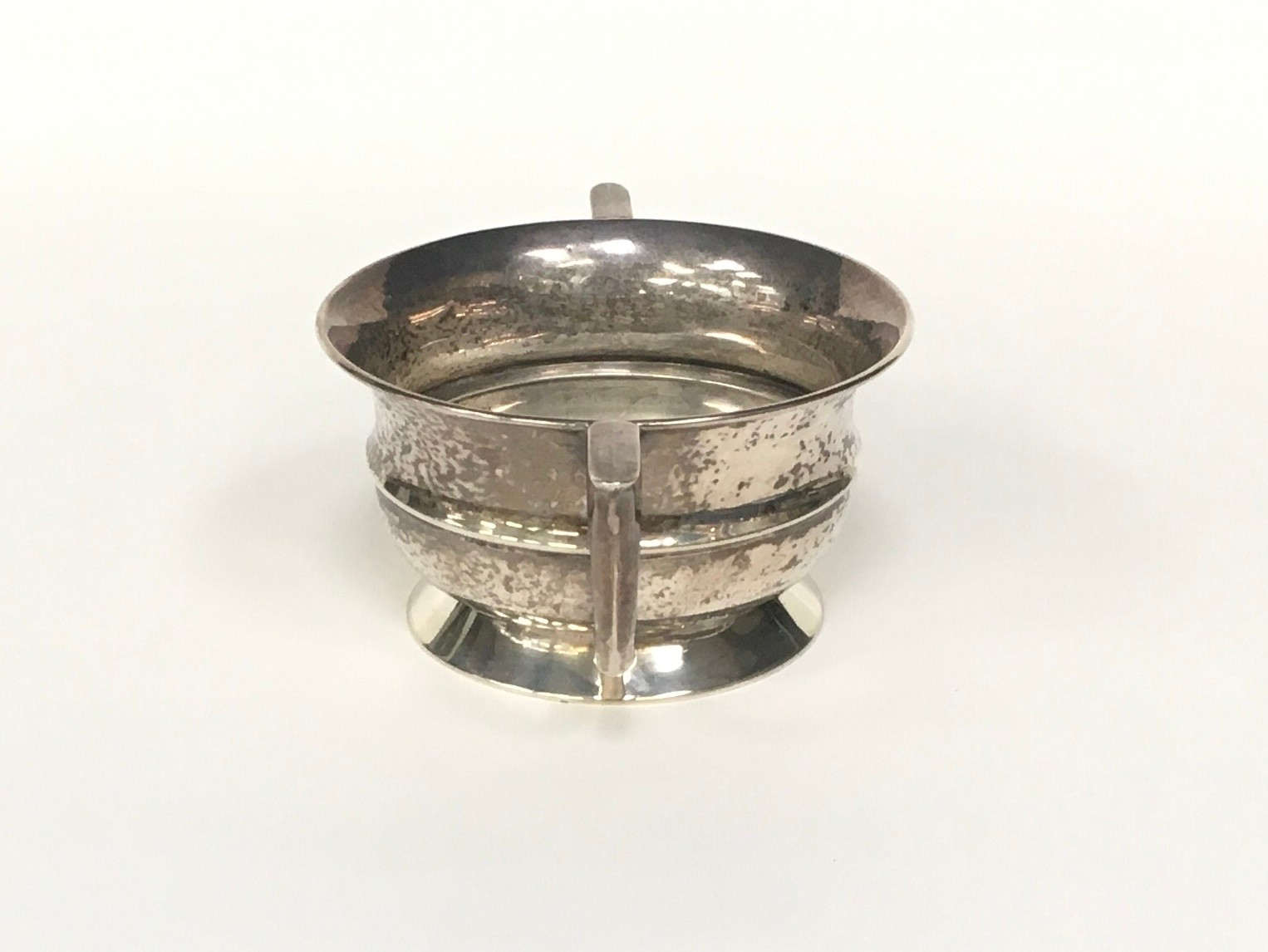 Silver twin handled bowl 100gm - Image 2 of 4