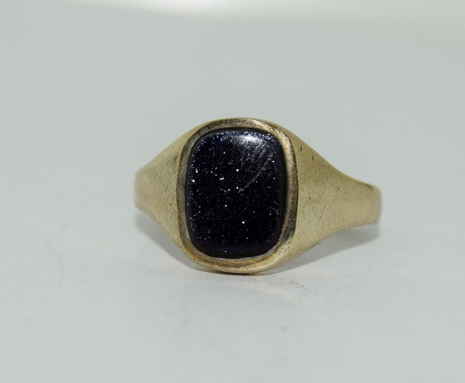 9ct gold gents sygnet ring set with unpolished amethyst centre stone size Q