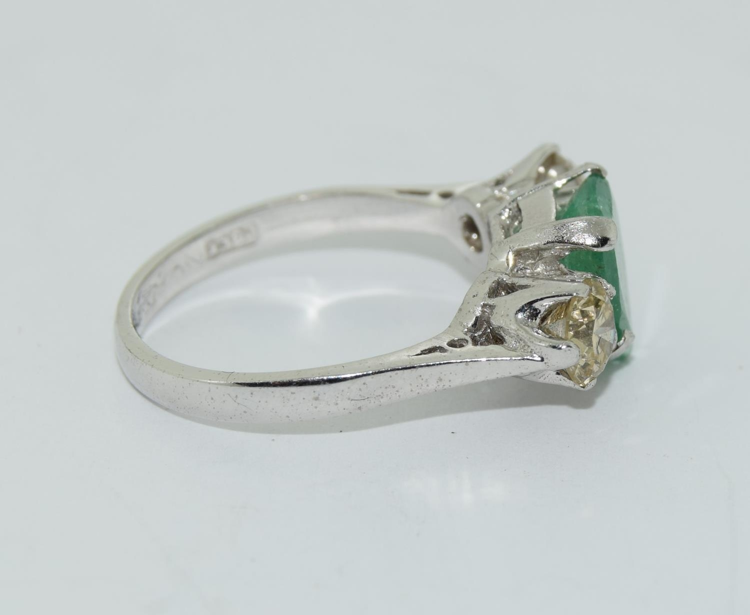 18ct white gold pear shape emerald and diamond ring of approx 1.2ct size L - Image 2 of 5