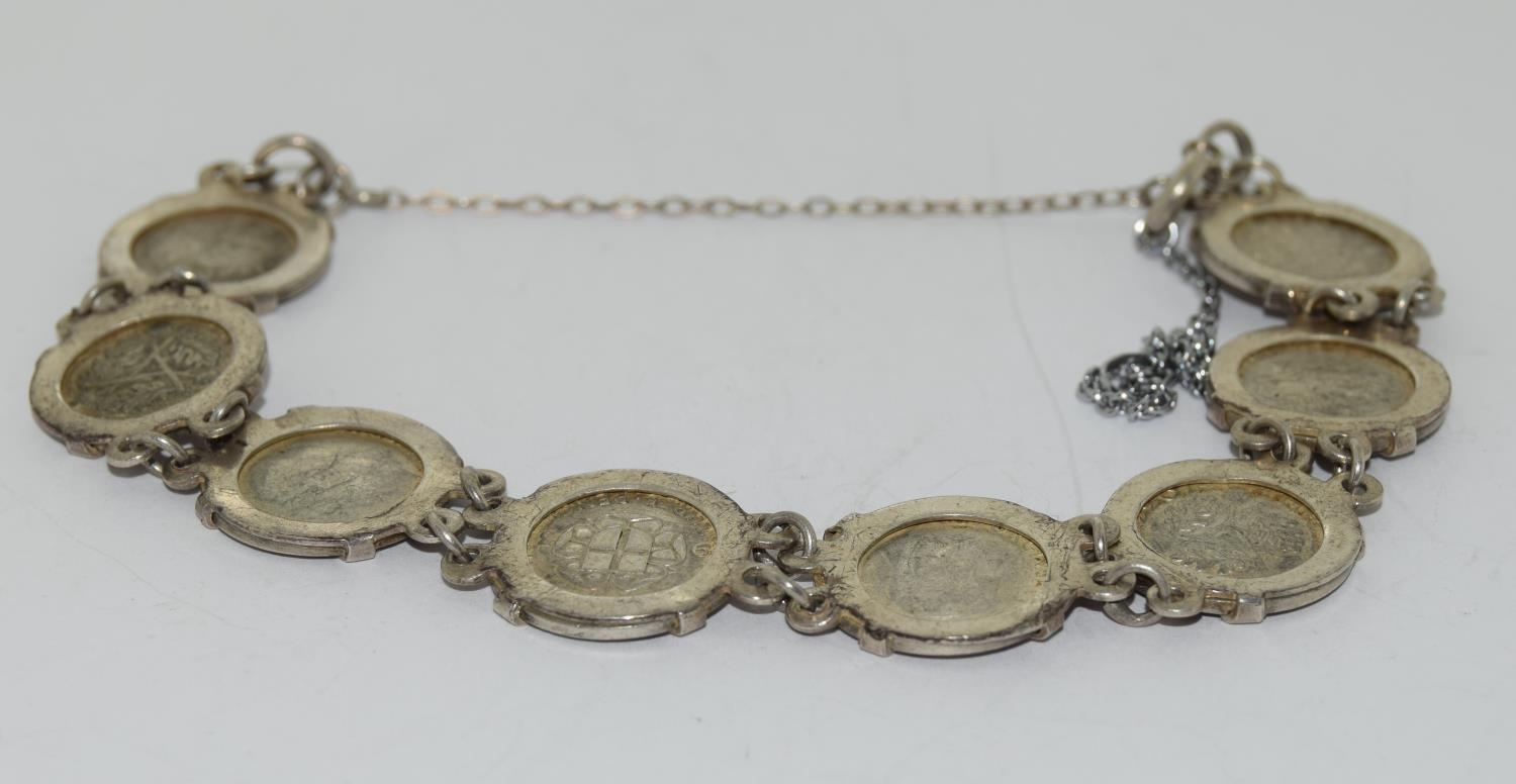 Silver ladies coin bracelet - Image 4 of 4