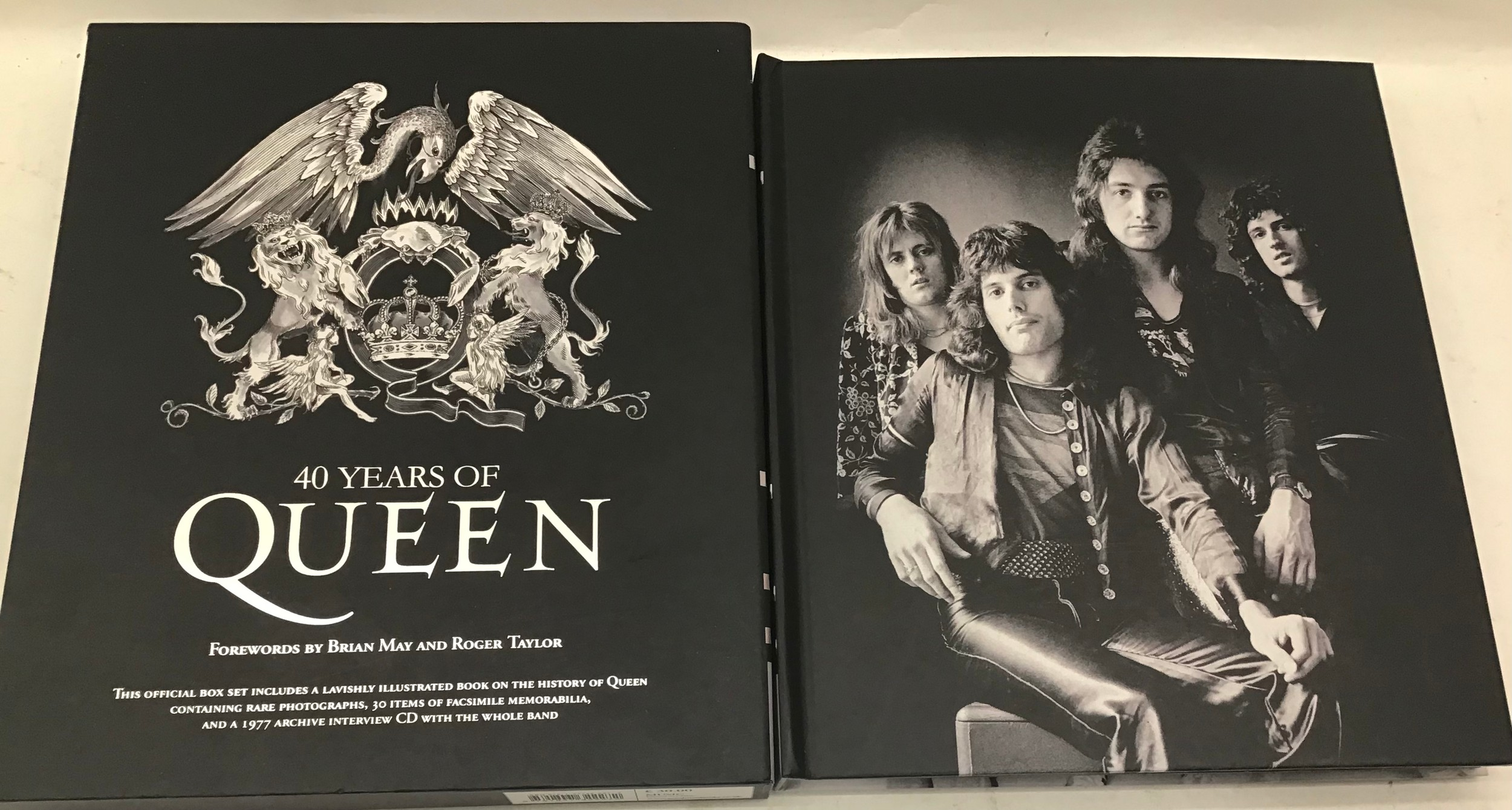 40 YEARS OF QUEEN. The book showcases the band, its members, recordings and concerts through - Image 3 of 6
