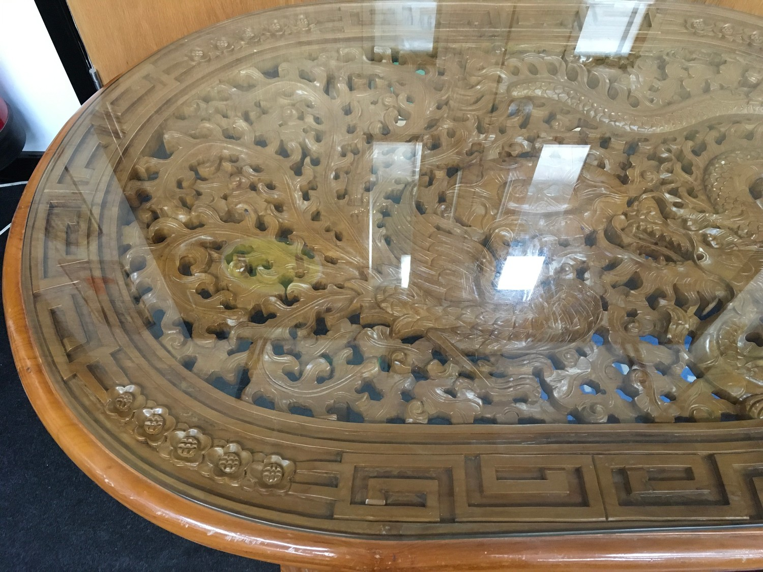 Carved hard wood Dragon table with 6 fitted stools to match all on cabriole legs 60x140x90cm - Image 3 of 6