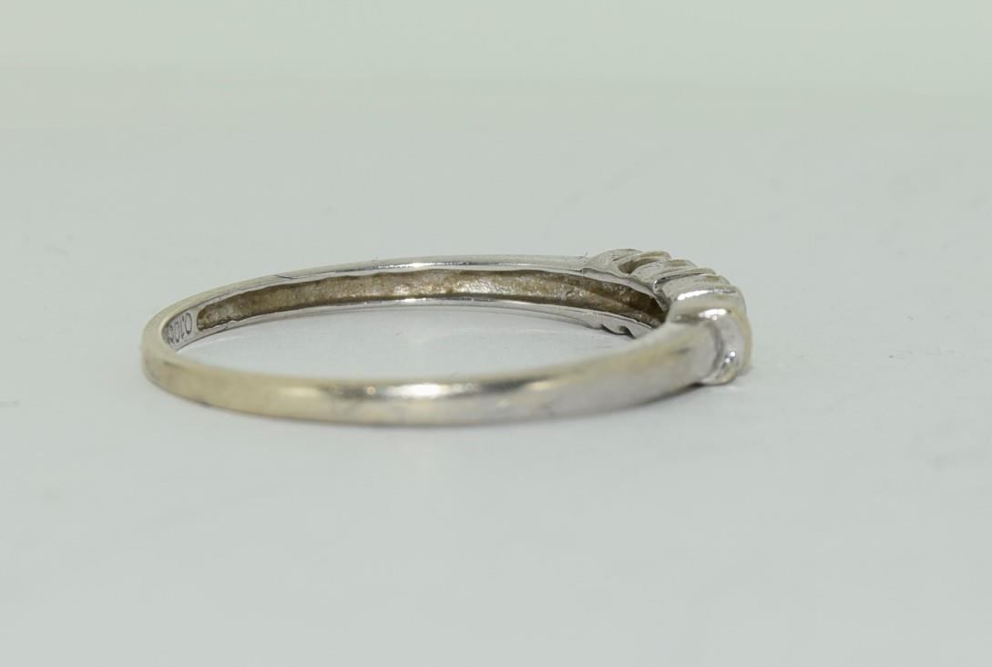 9ct white gold diamond 3 stone ring h/m for 0.1ct size Q - Image 3 of 12