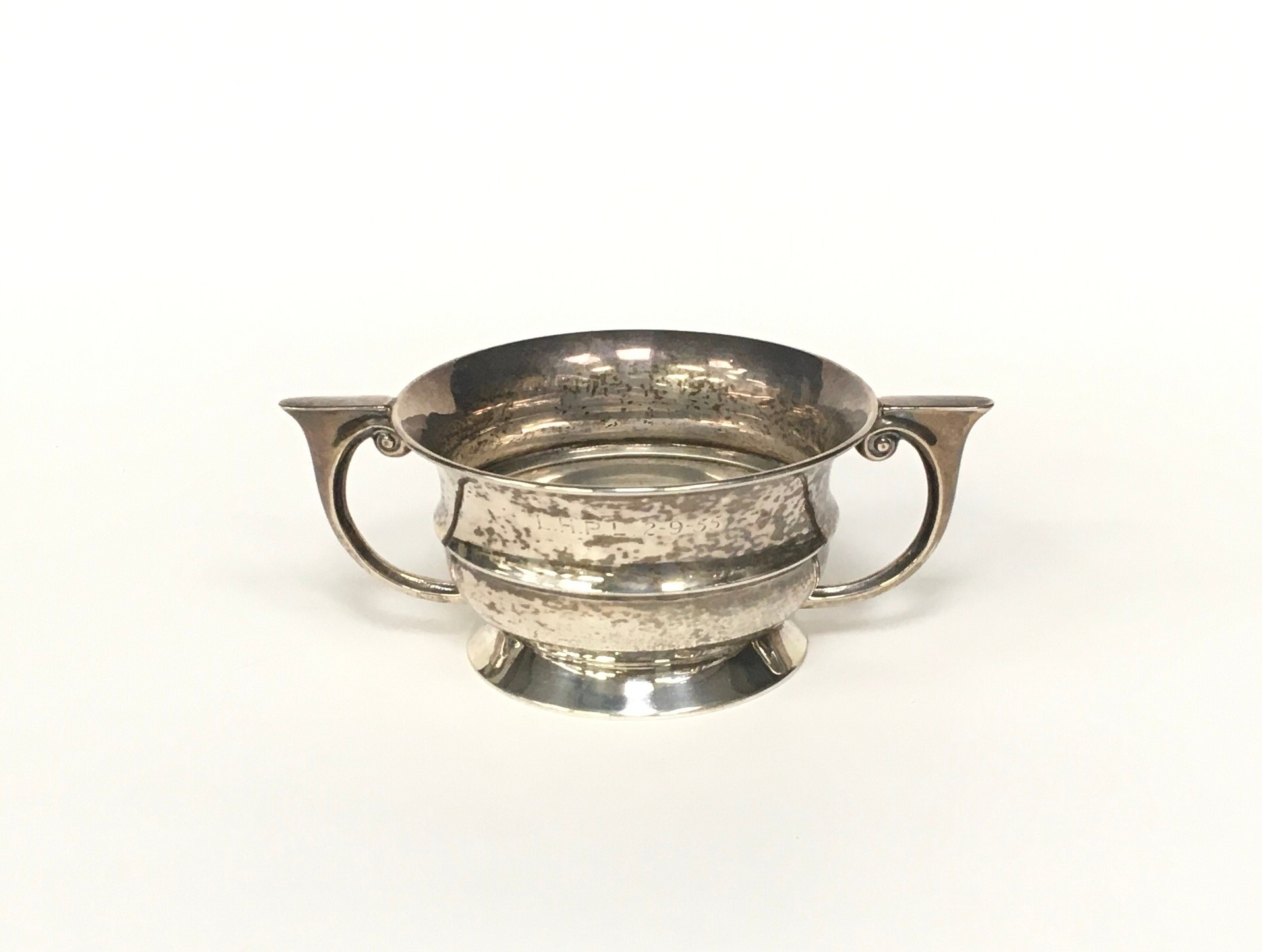 Silver twin handled bowl 100gm - Image 3 of 4