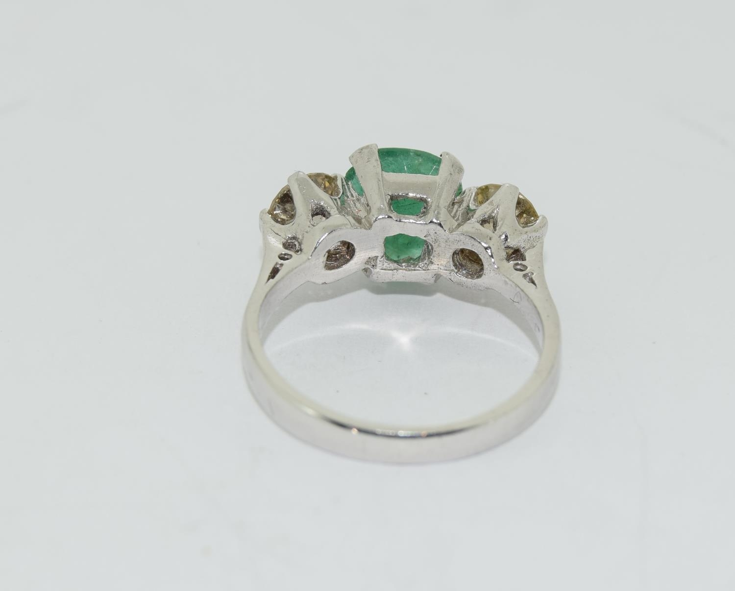 18ct white gold pear shape emerald and diamond ring of approx 1.2ct size L - Image 3 of 5
