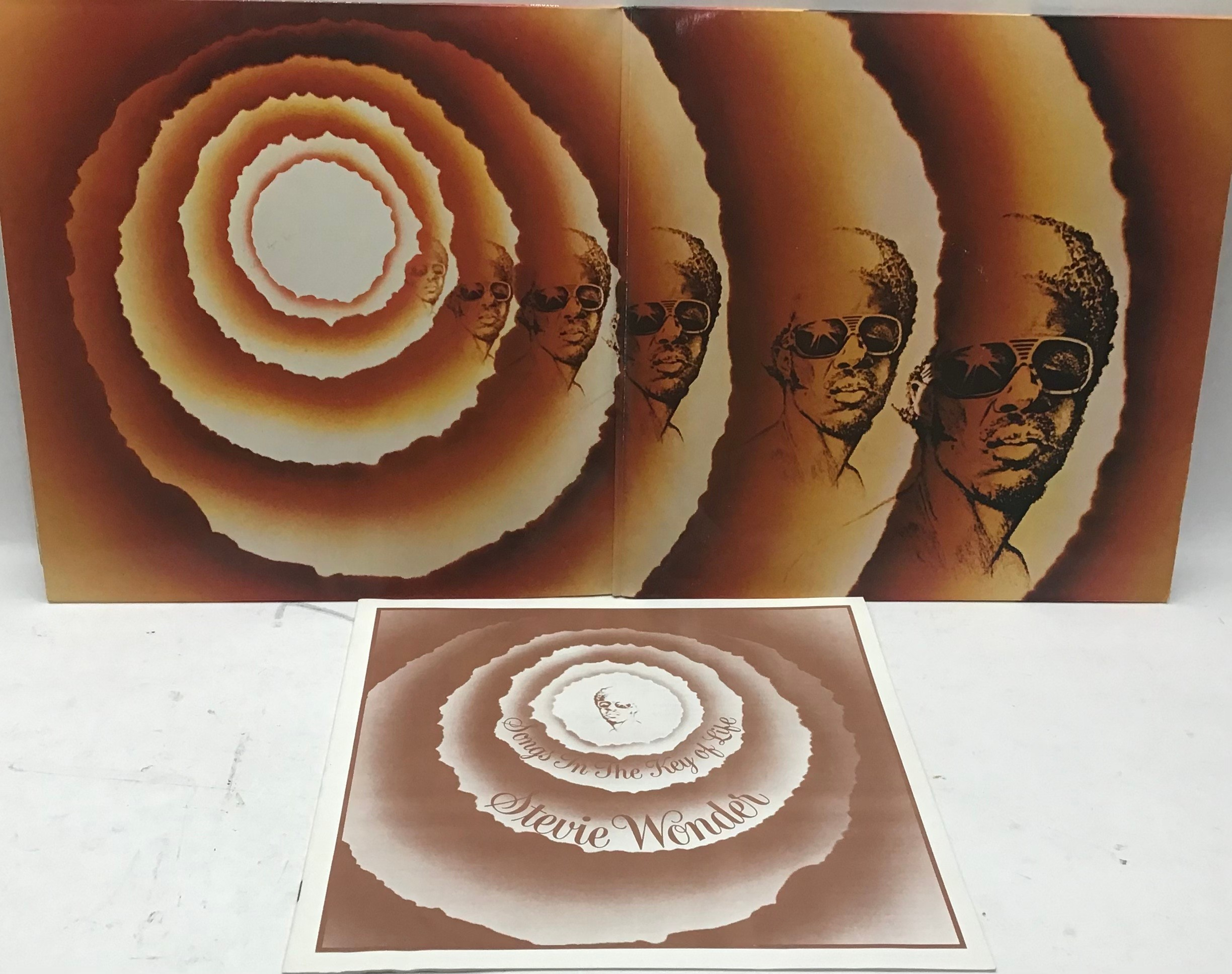 STEVIE WONDER VINYL LP RECORDS X 7. Found here in VG+ conditions with a demo copy of ?Where I?m - Image 3 of 5