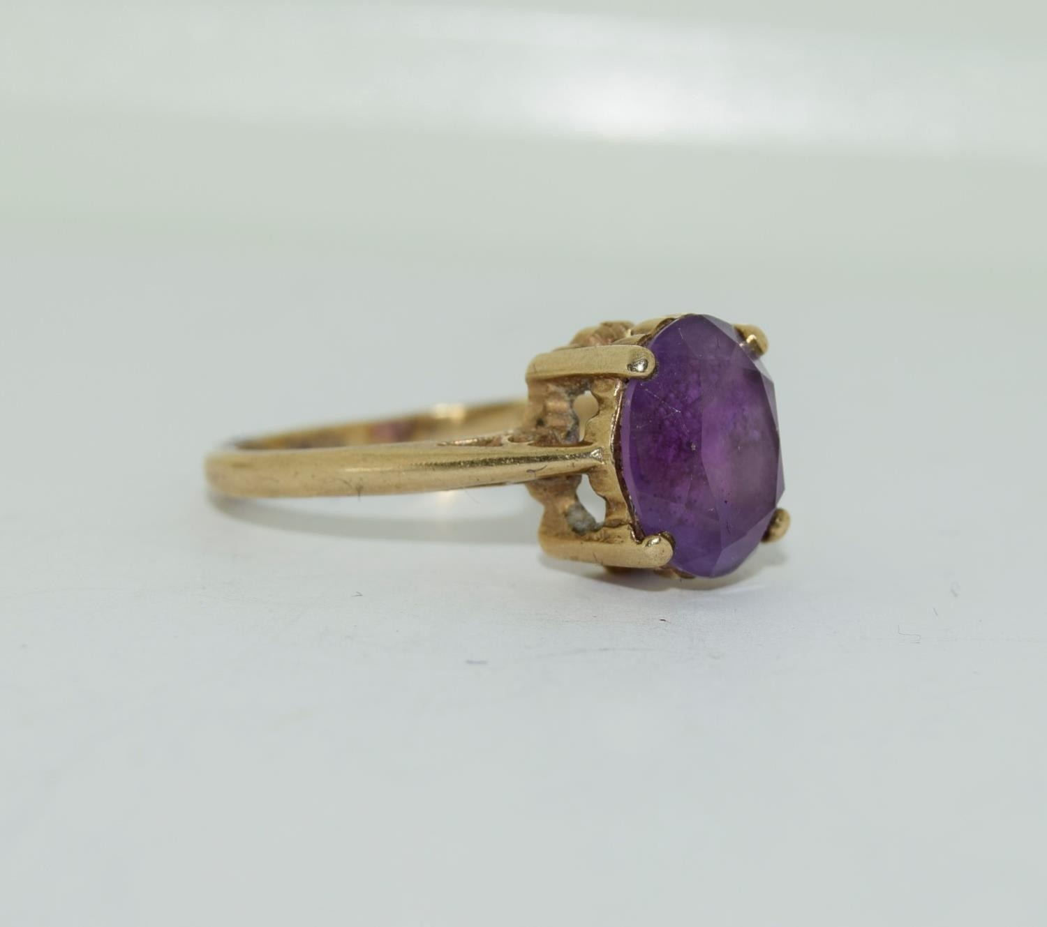 9ct gold ladies Amethyst ring size N - Image 9 of 12