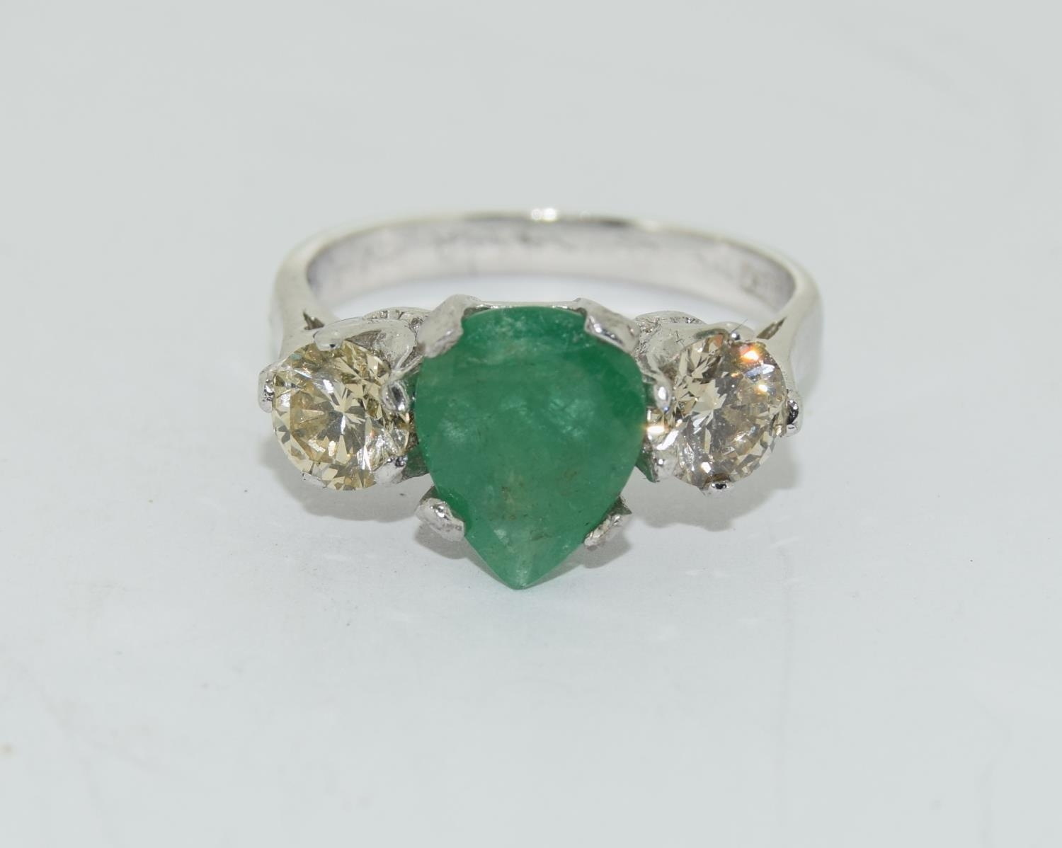 18ct white gold pear shape emerald and diamond ring of approx 1.2ct size L - Image 5 of 5