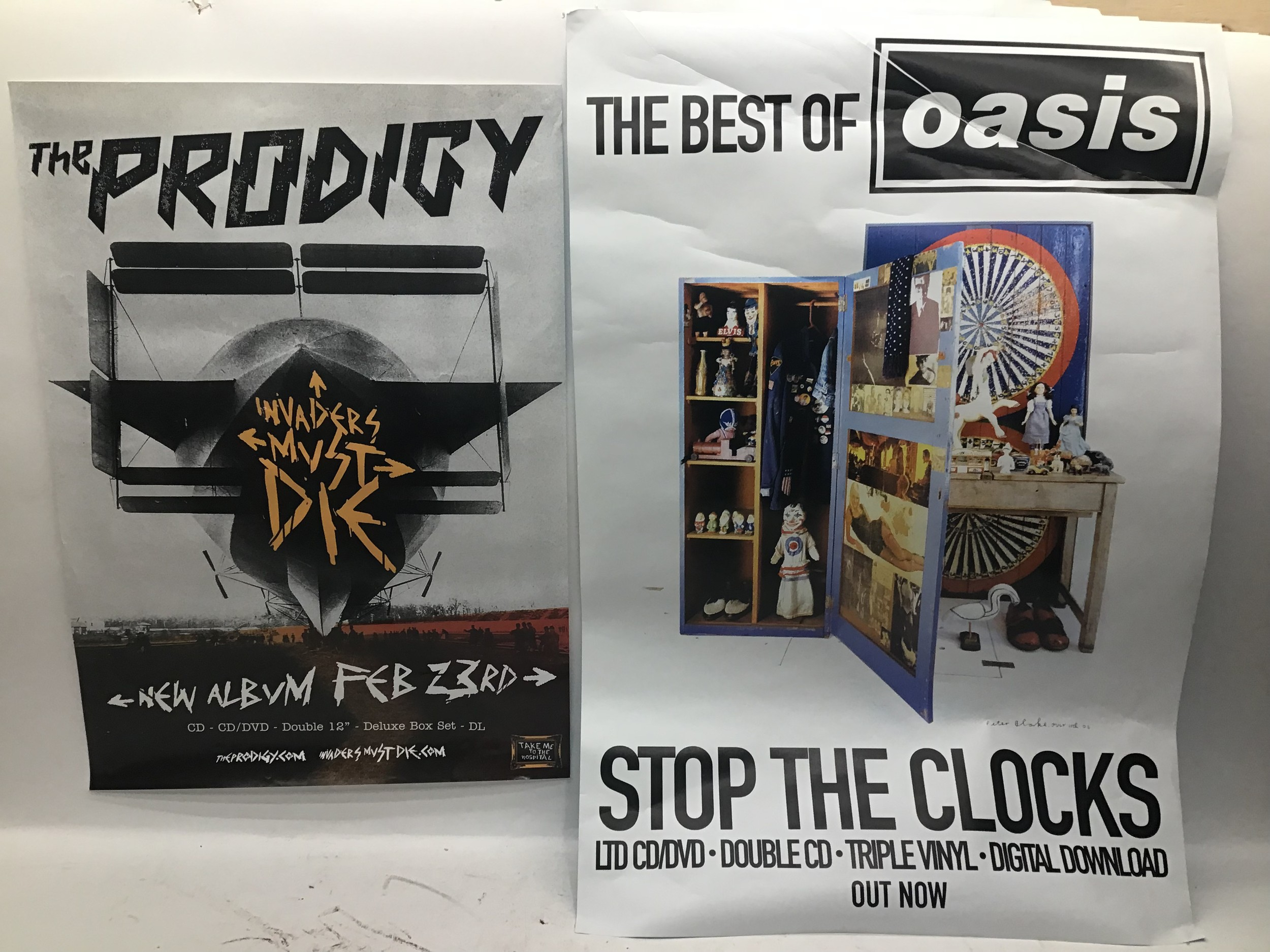 VARIOUS RECORD SHOP POSTERS ETC. Here we have 7 items to include - Oasis - The Zutons - The - Image 2 of 2