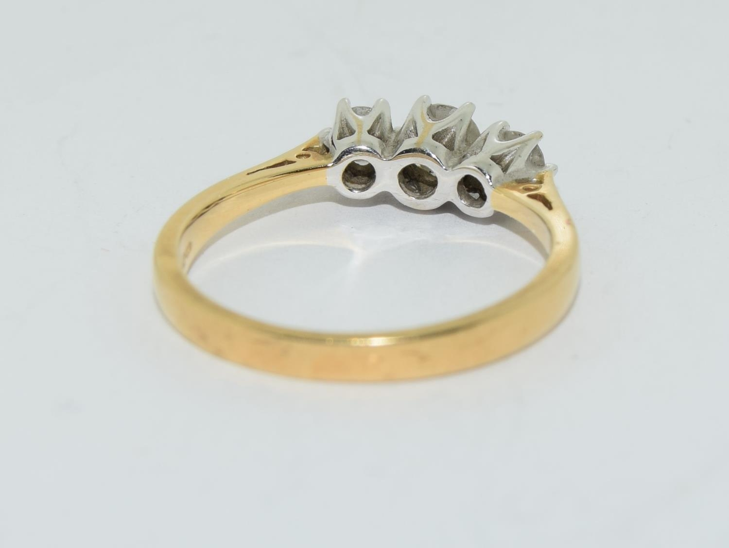Diamond 3 stone aprox 0.50 points 18ct gold ring size O. - Image 3 of 5
