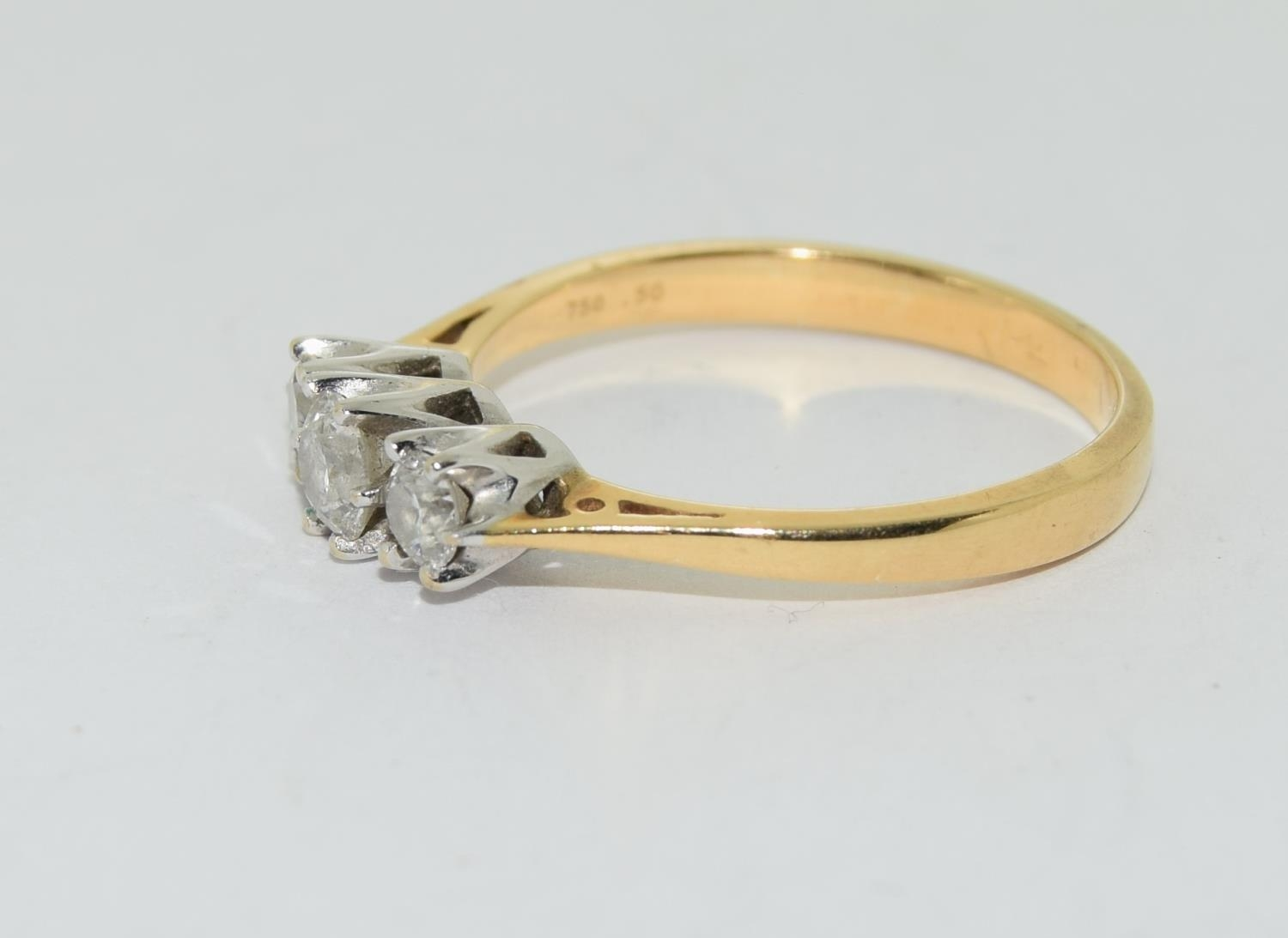 Diamond 3 stone aprox 0.50 points 18ct gold ring size O. - Image 4 of 5