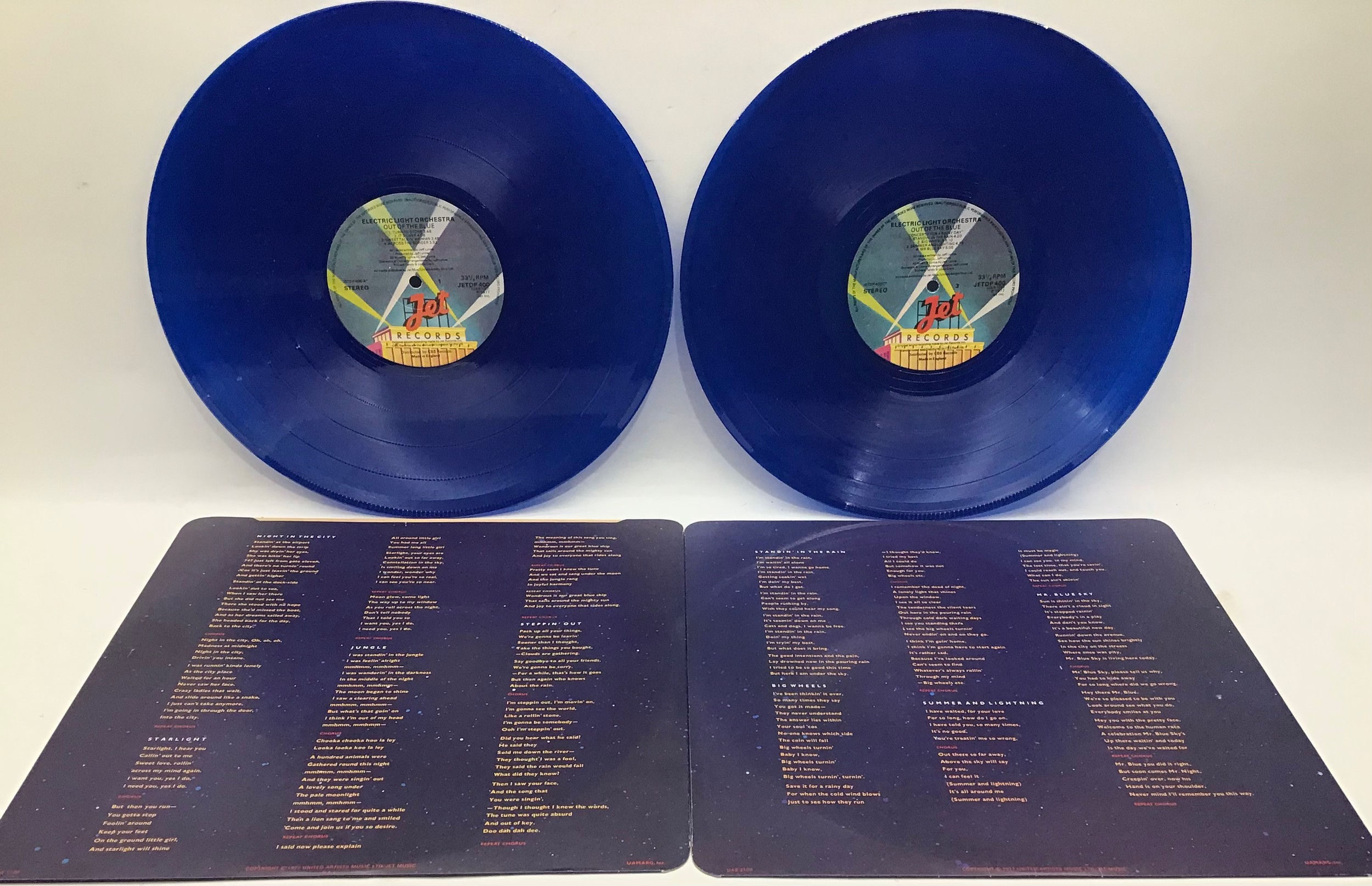 ELECTRIC LIGHT ORCHESTRA (ELO) 'Out Of The Blue' Blue Vinyl LP. This is a 1977 Release Cat No. JETDP - Image 3 of 3
