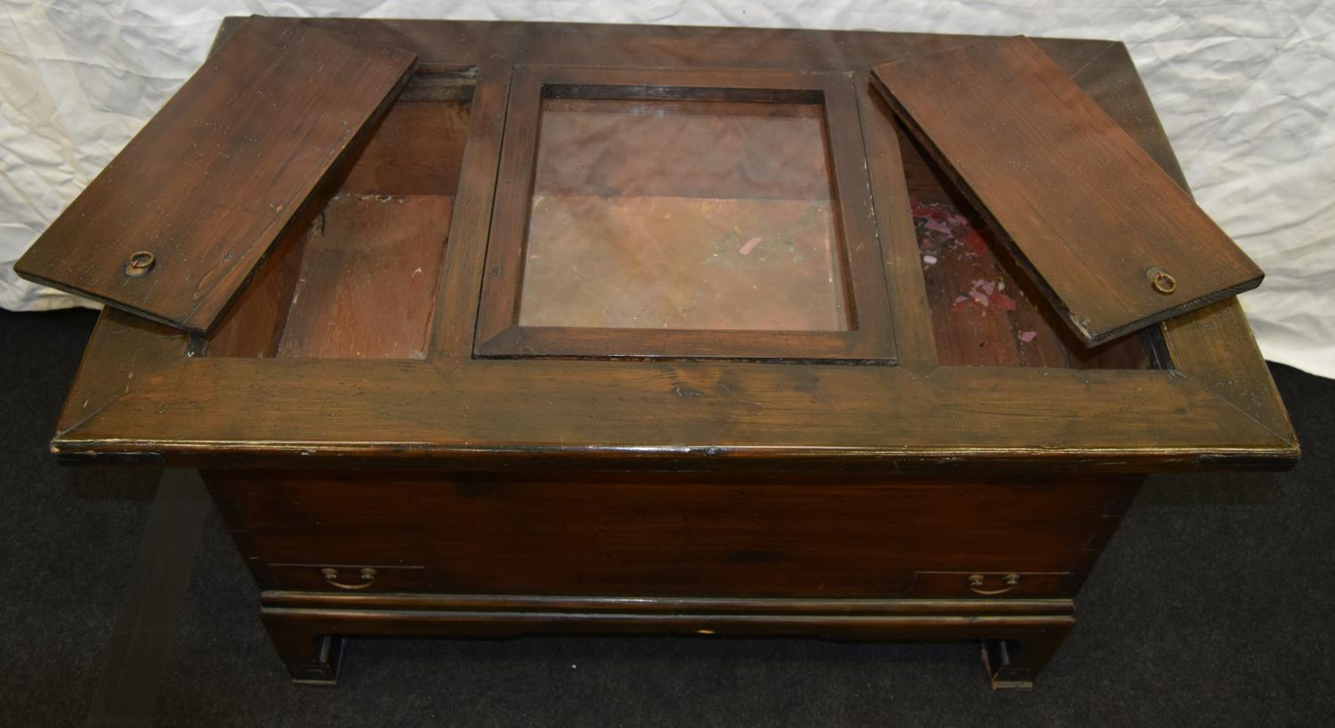 Chinese dark wood hot food serving cabinet with glazed copper lined centre well 98cm wide x 55cm - Image 2 of 3