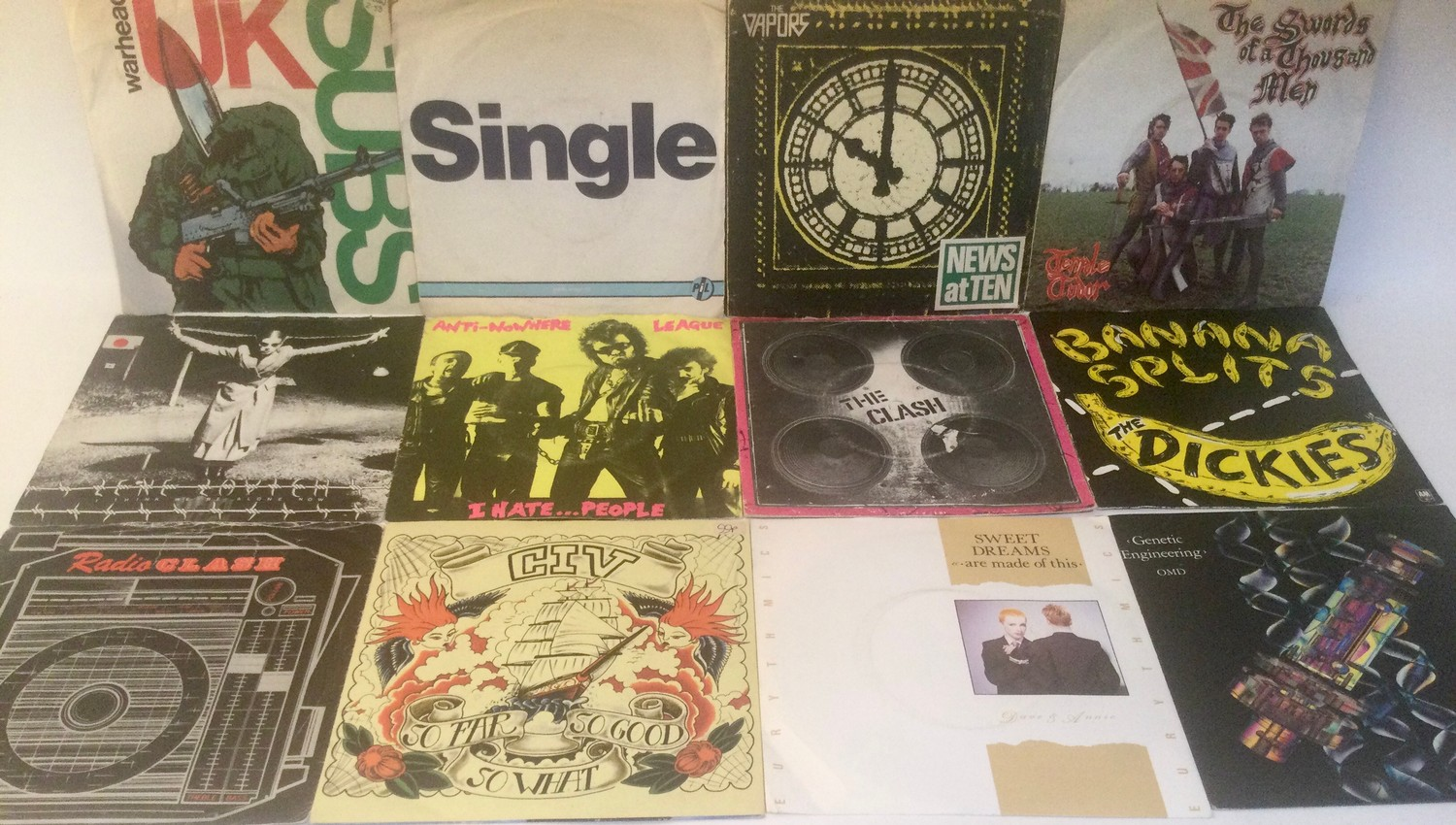 LARGE BOX OF VARIOUS 7? VINYL SINGLE RECORDS. Mainly found in VG+ conditions and containing many