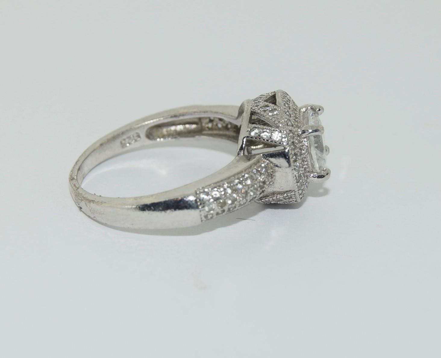Silver ladies ring in the Halo style. Size P. - Image 2 of 3