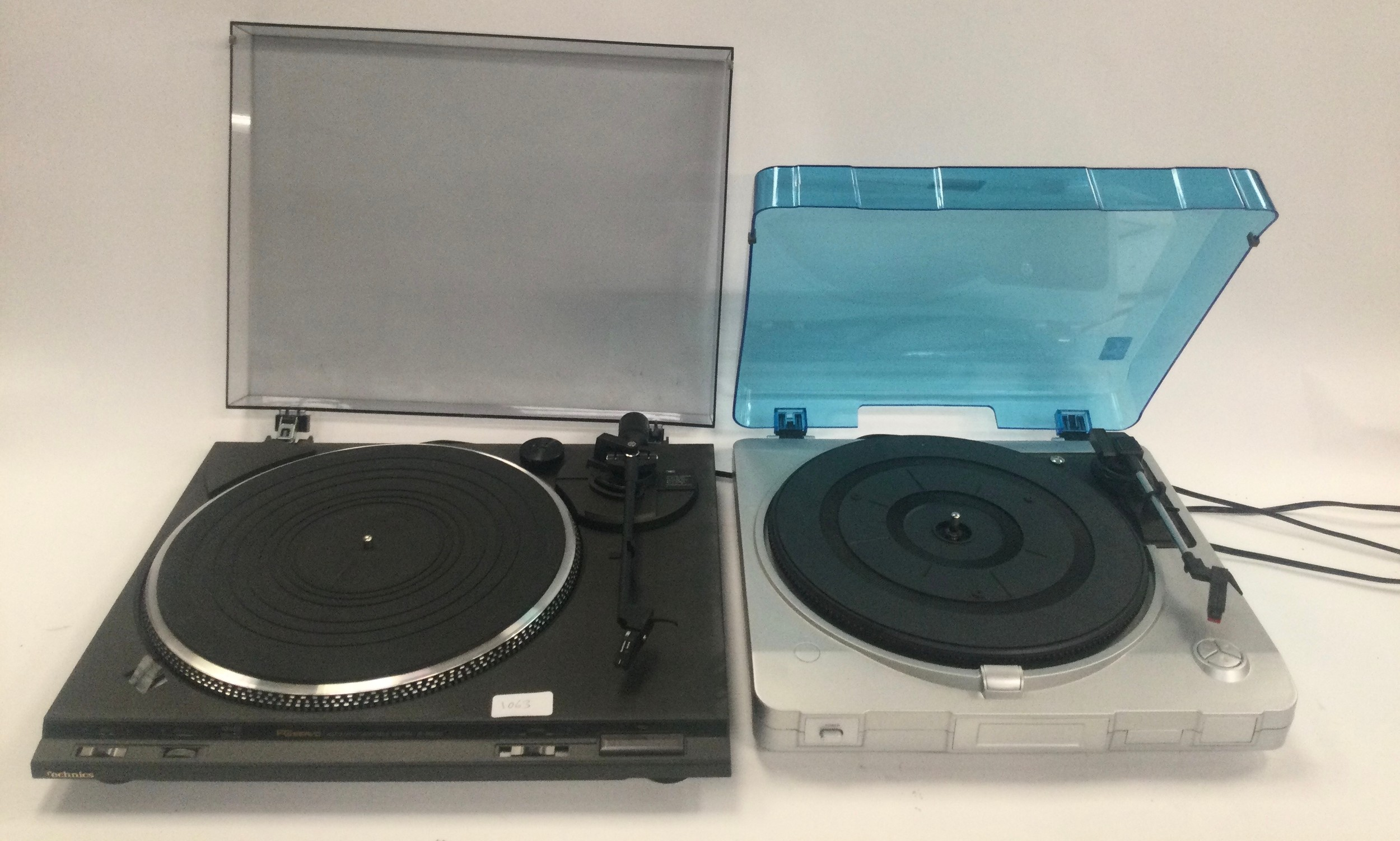Technics SL8022D turntable together with a Prolectrix mini turntable.
