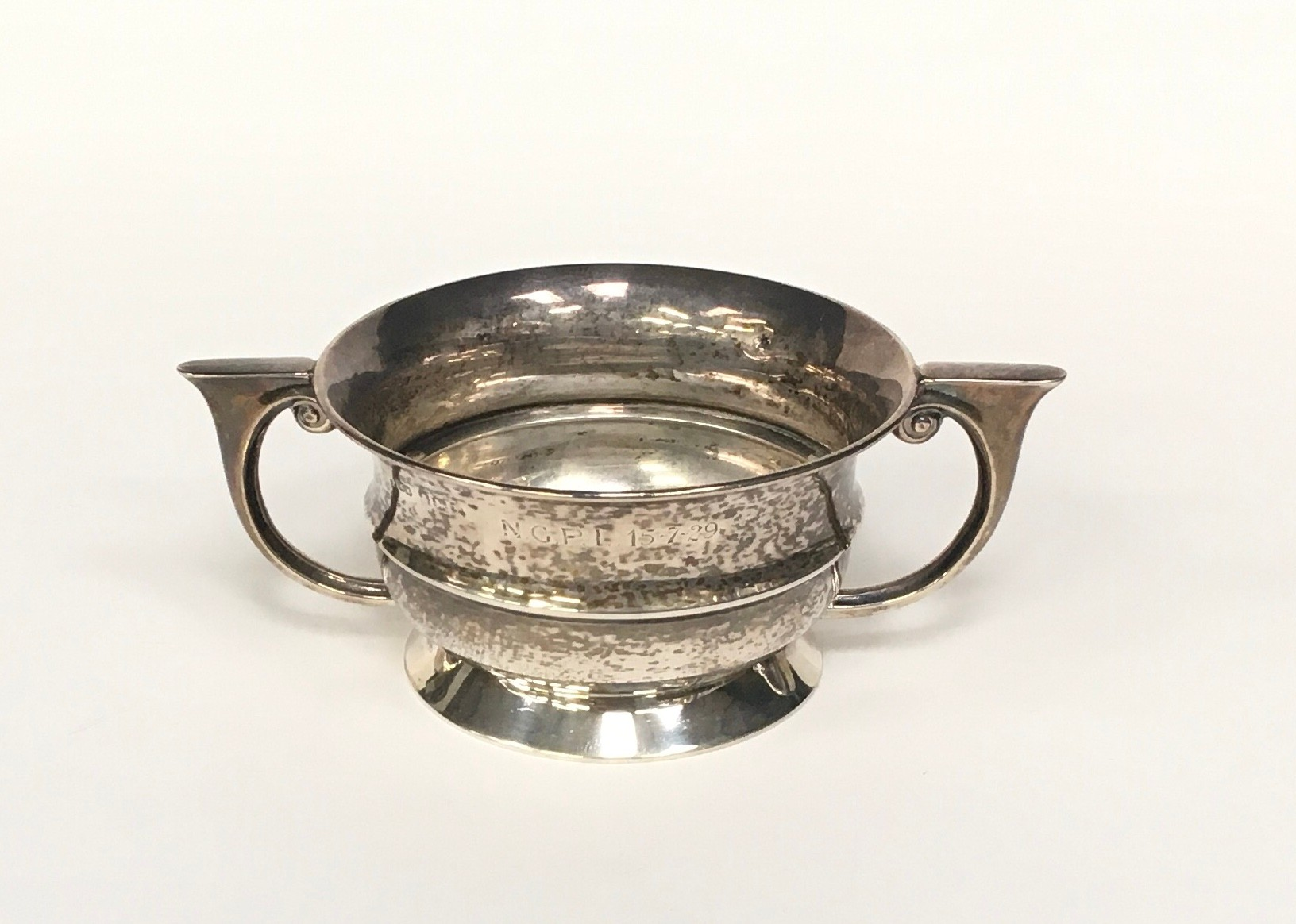 Silver twin handled bowl 100gm