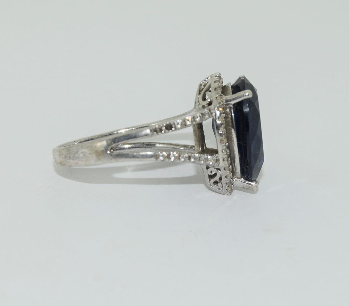 Silver ladies blue stone pear shape ring. Size K. - Image 2 of 3