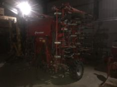 2020 KVERNELAND 6M TS TINE DRILL, PRE EMERGENCE MARKERS, TRAMLINE MARKERS, ISOBUS READY,