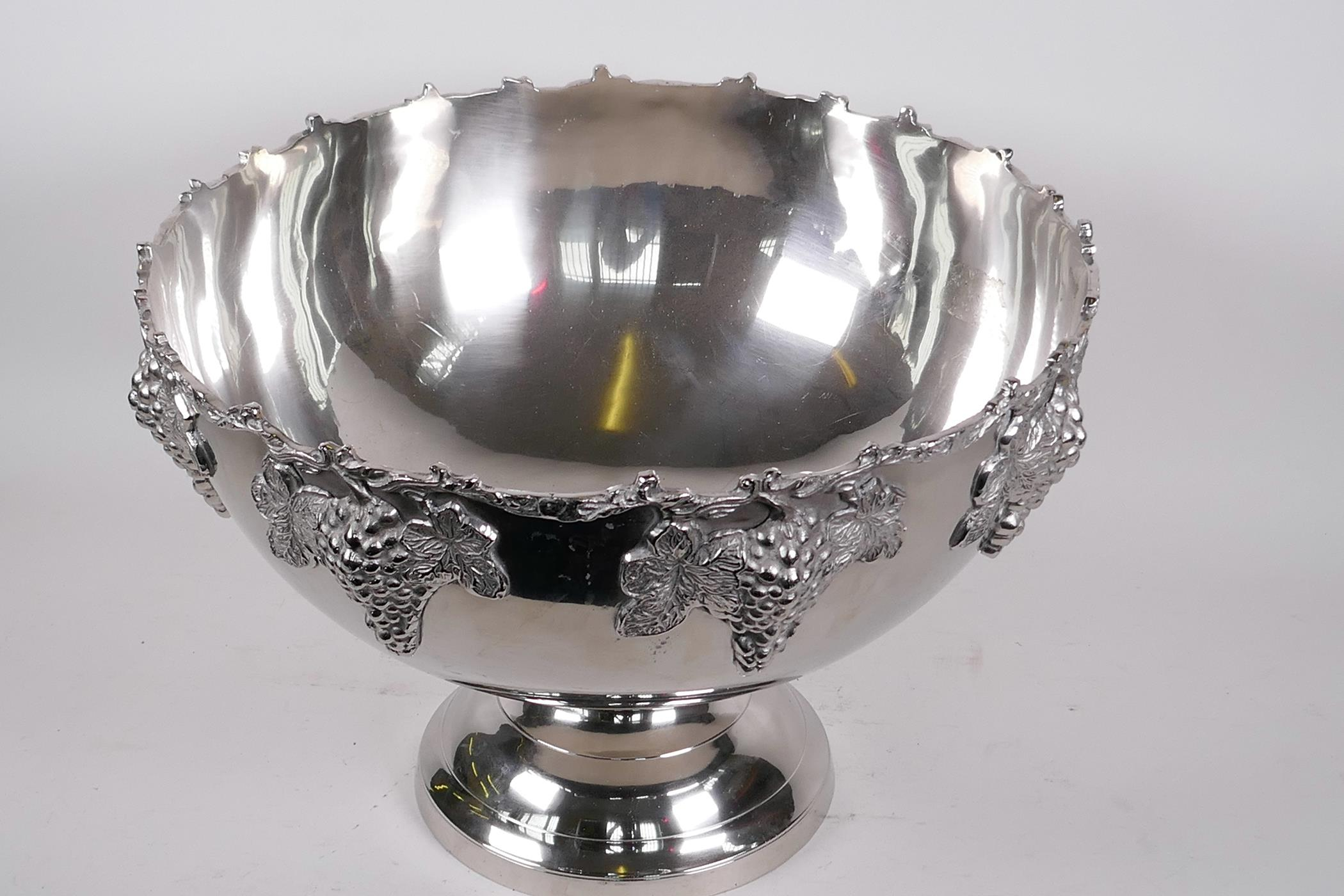 """A large plated pedestal punch bowl decorated with bunches of grapes, 15"""" diameter, 10"""" high - Image 3 of 3"""