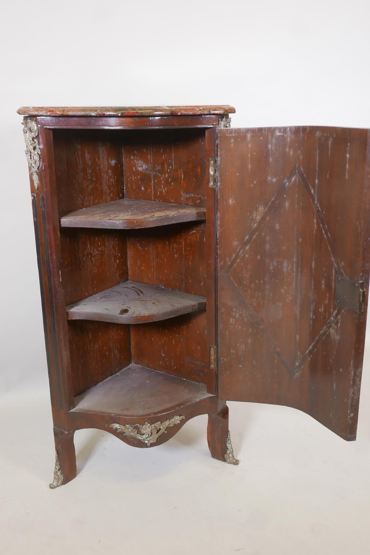 An early C19th French inlaid standing corner cupboard, with rouge marble top and serpentine front - Image 3 of 4