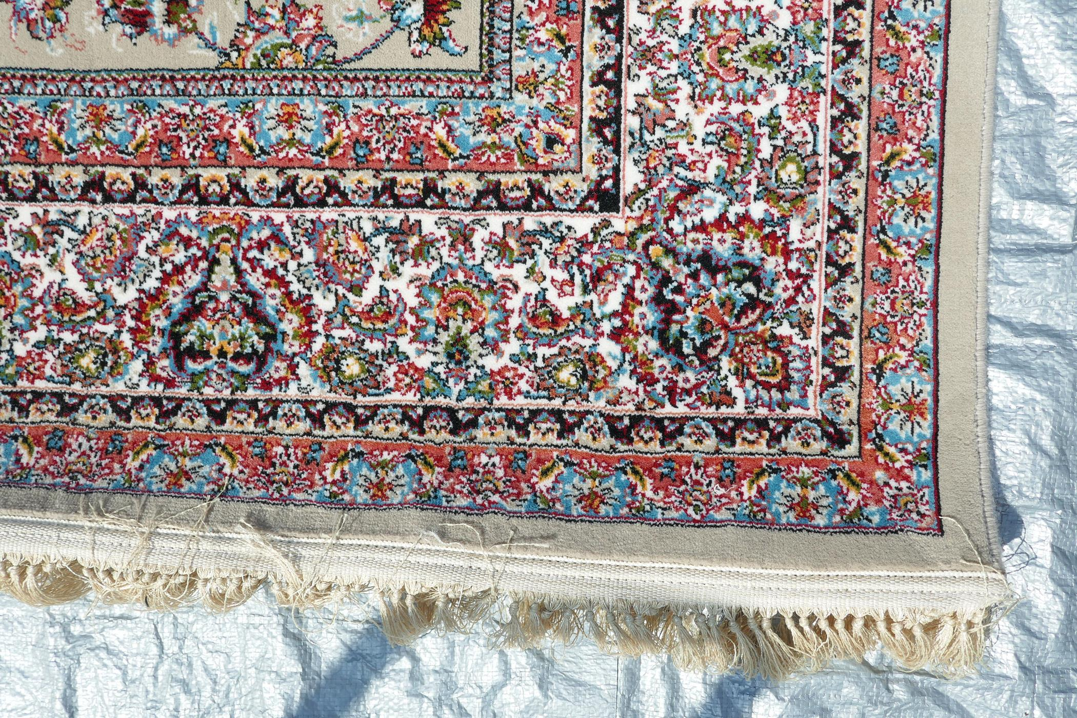 """A fine woven beige ground full pile Iranian carpet with an all over floral pattern, 118"""" x 78"""" - Image 4 of 5"""