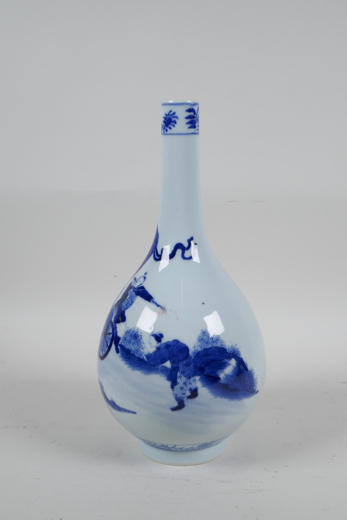 A Chinese blue and white porcelain bottle vase decorated with travellers in a landscape, 6 character - Image 2 of 5