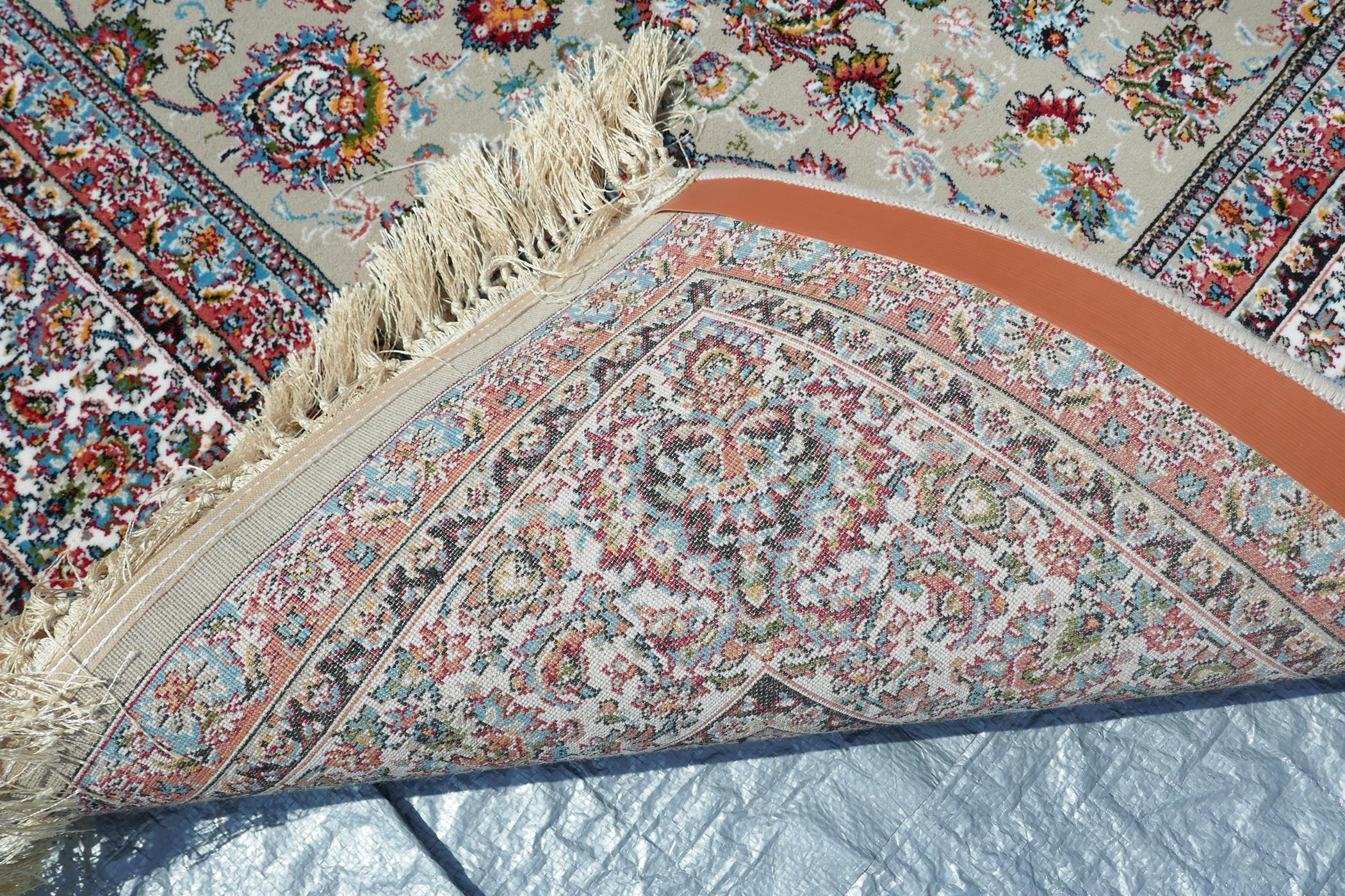 """A fine woven beige ground full pile Iranian carpet with an all over floral pattern, 118"""" x 78"""" - Image 5 of 5"""