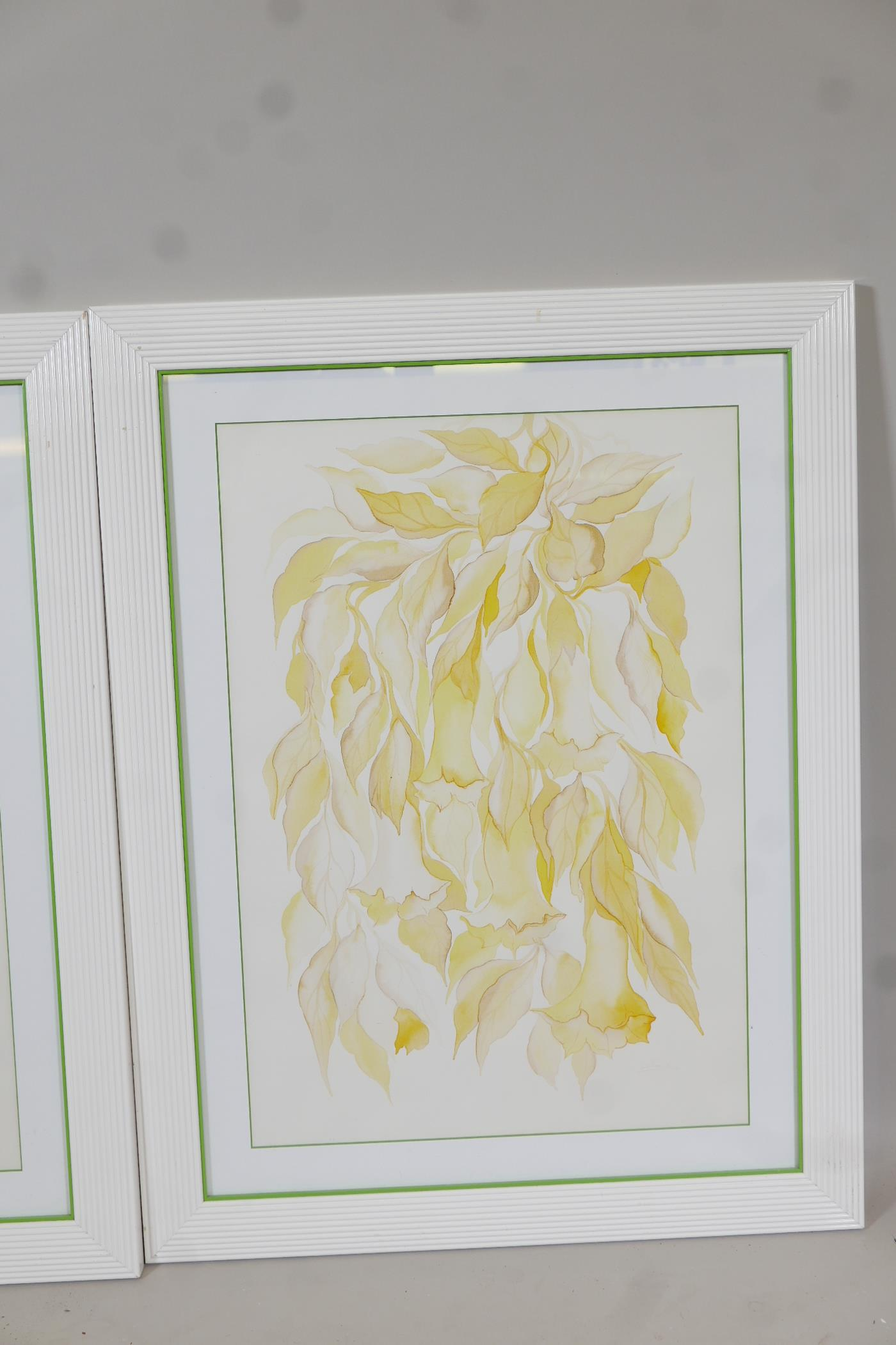 """A pair of contemporary furnishing prints of stylised flowers, 19"""" x 27"""" - Image 2 of 3"""