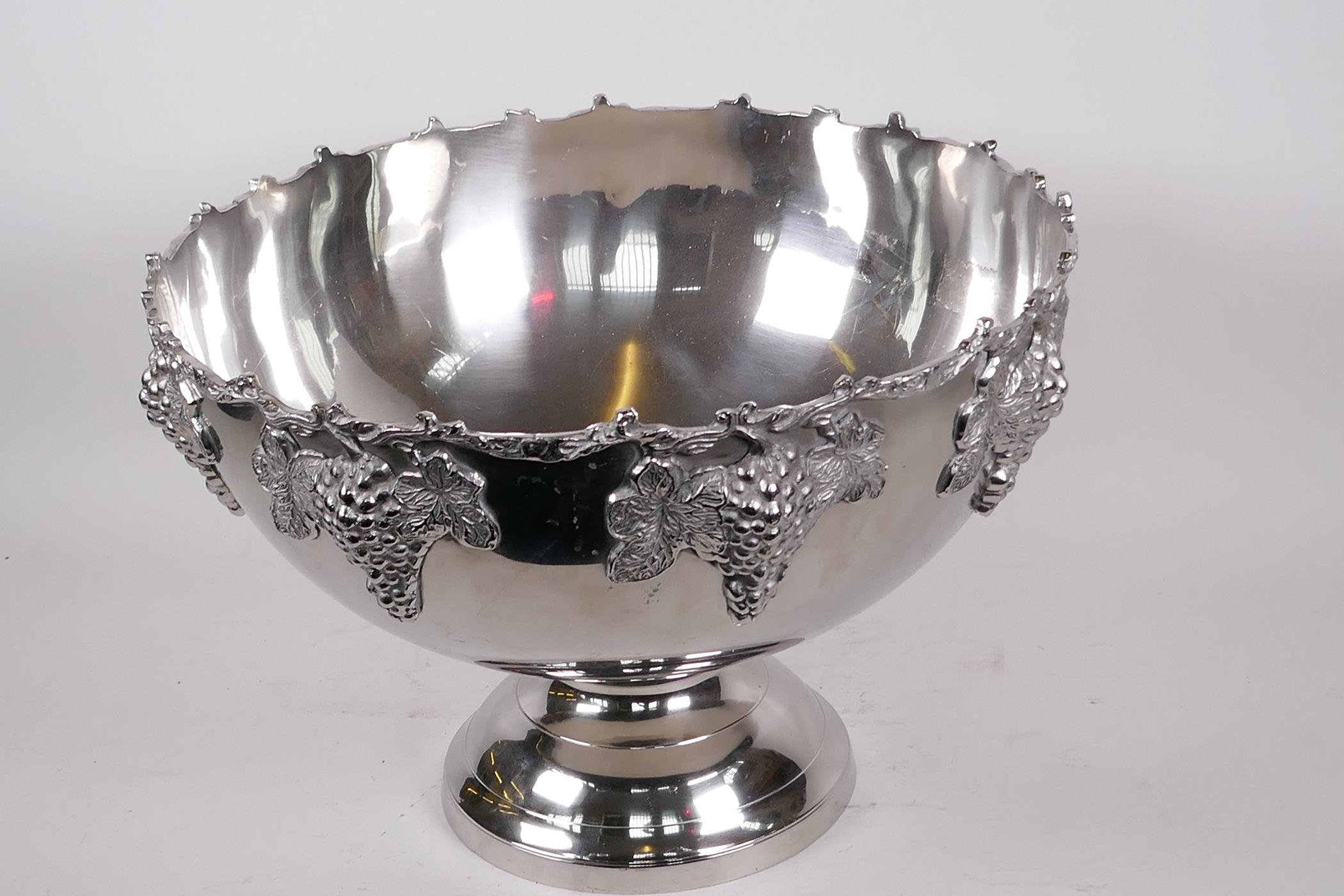 """A large plated pedestal punch bowl decorated with bunches of grapes, 15"""" diameter, 10"""" high - Image 2 of 3"""