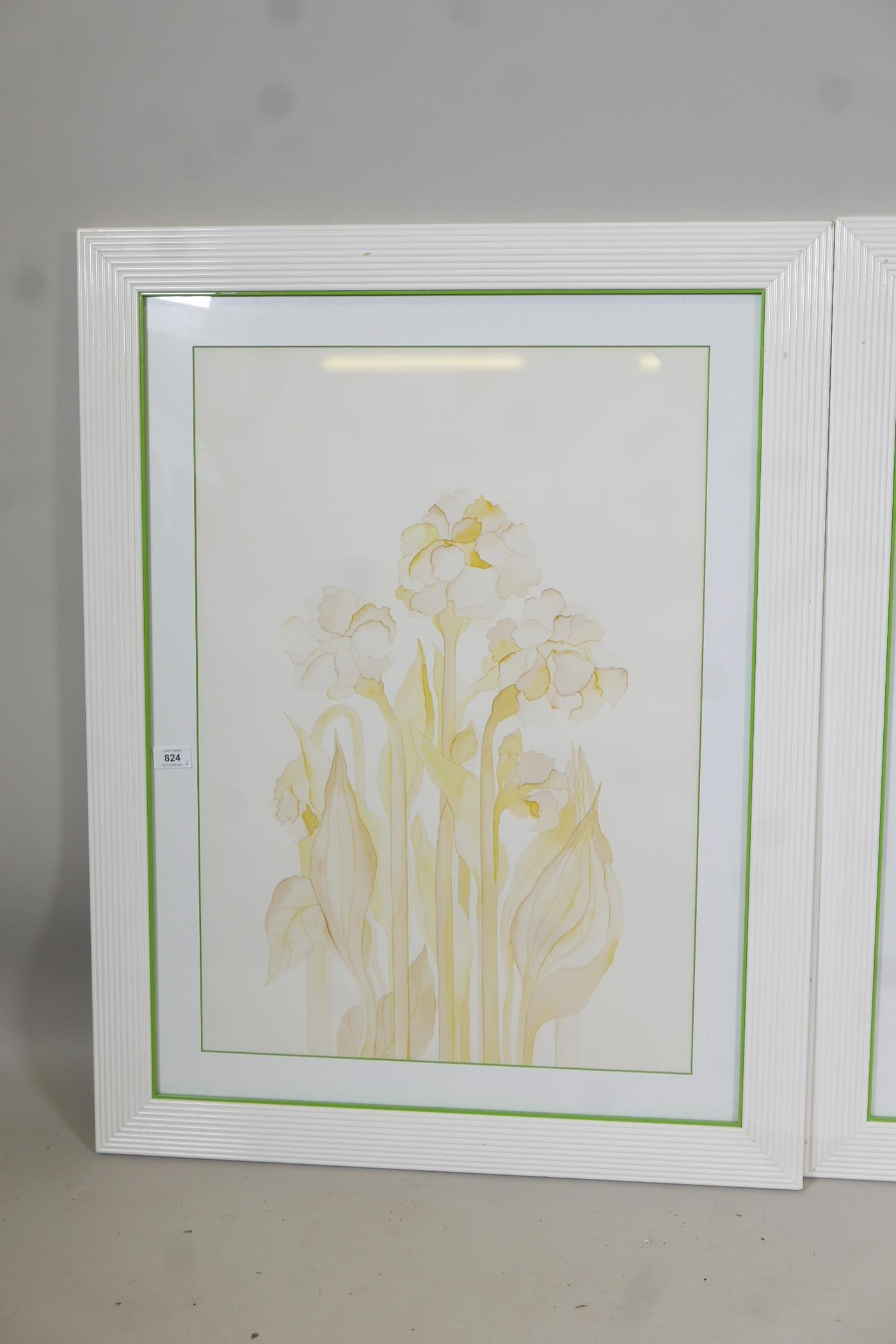 """A pair of contemporary furnishing prints of stylised flowers, 19"""" x 27"""" - Image 3 of 3"""