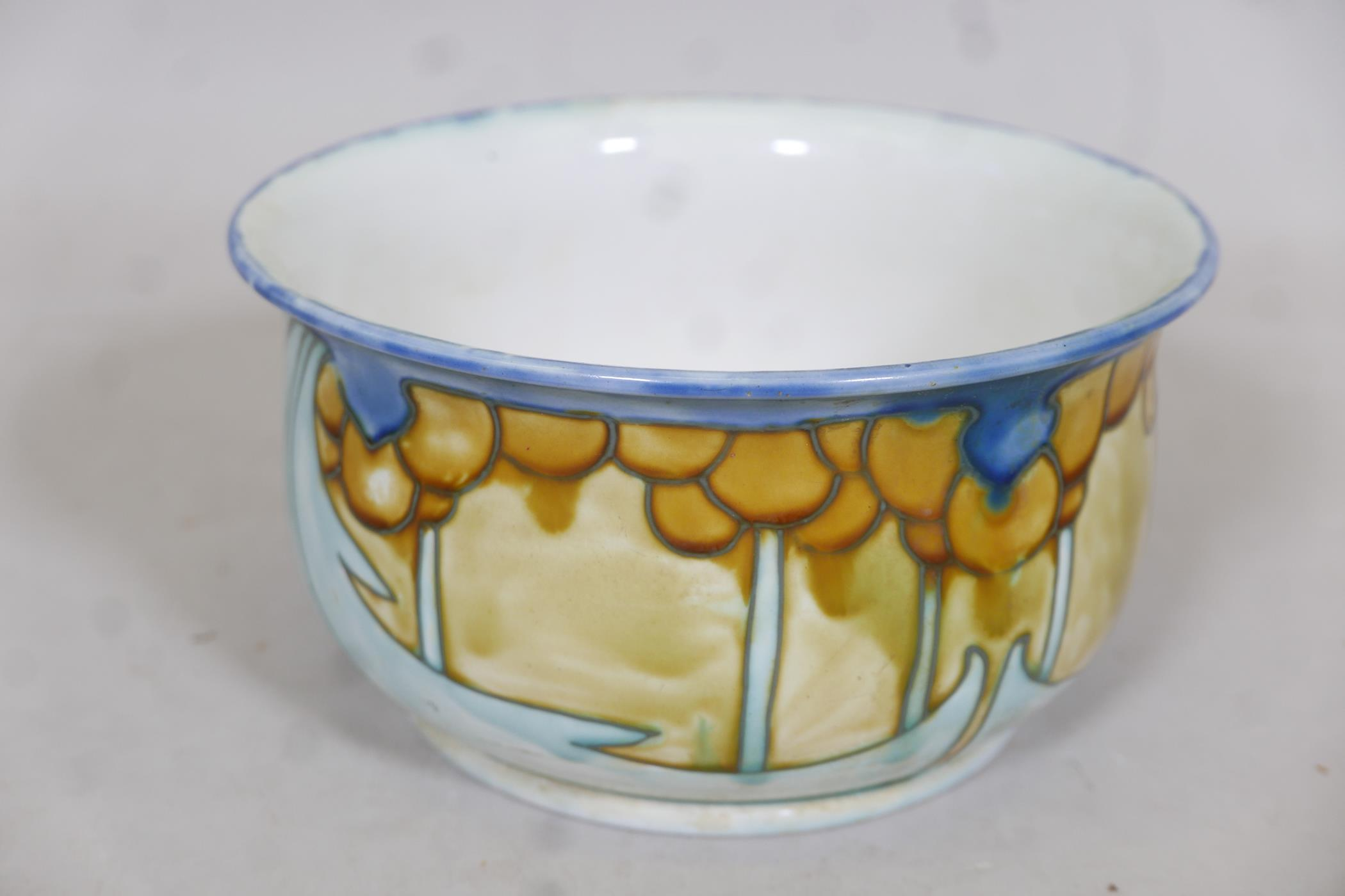 """A Minton succesionist chamber pot, 9"""" diameter - Image 2 of 3"""