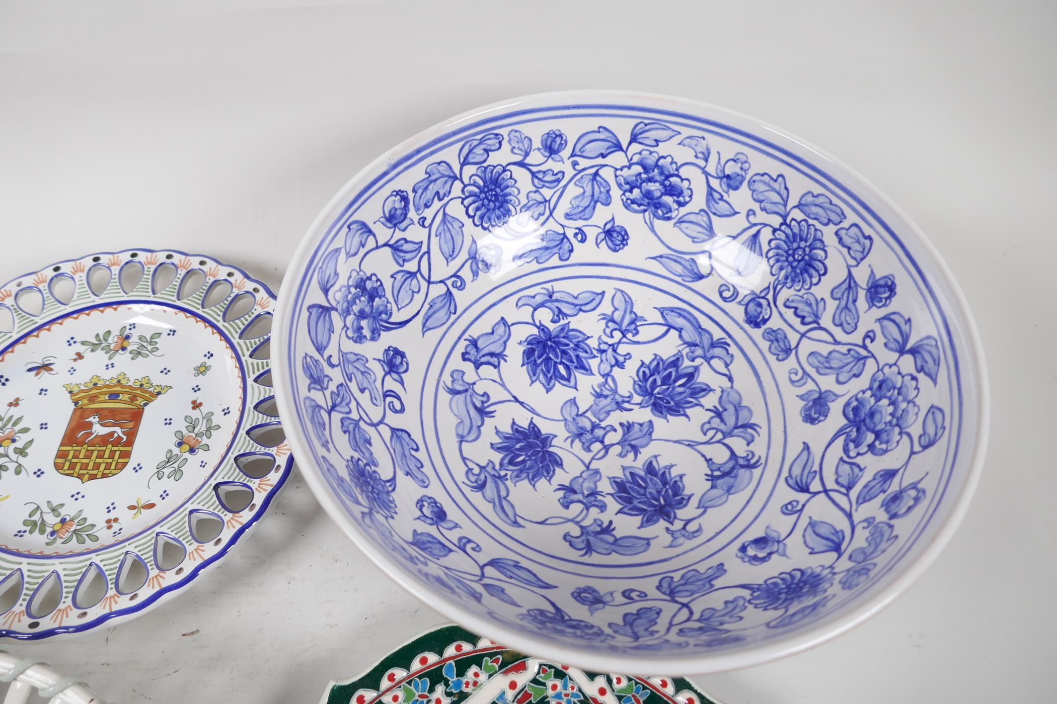 """A blue and white pottery mixing bowl, 11"""" diameter, together with a Wedgwood open basket work bowl - Image 2 of 7"""
