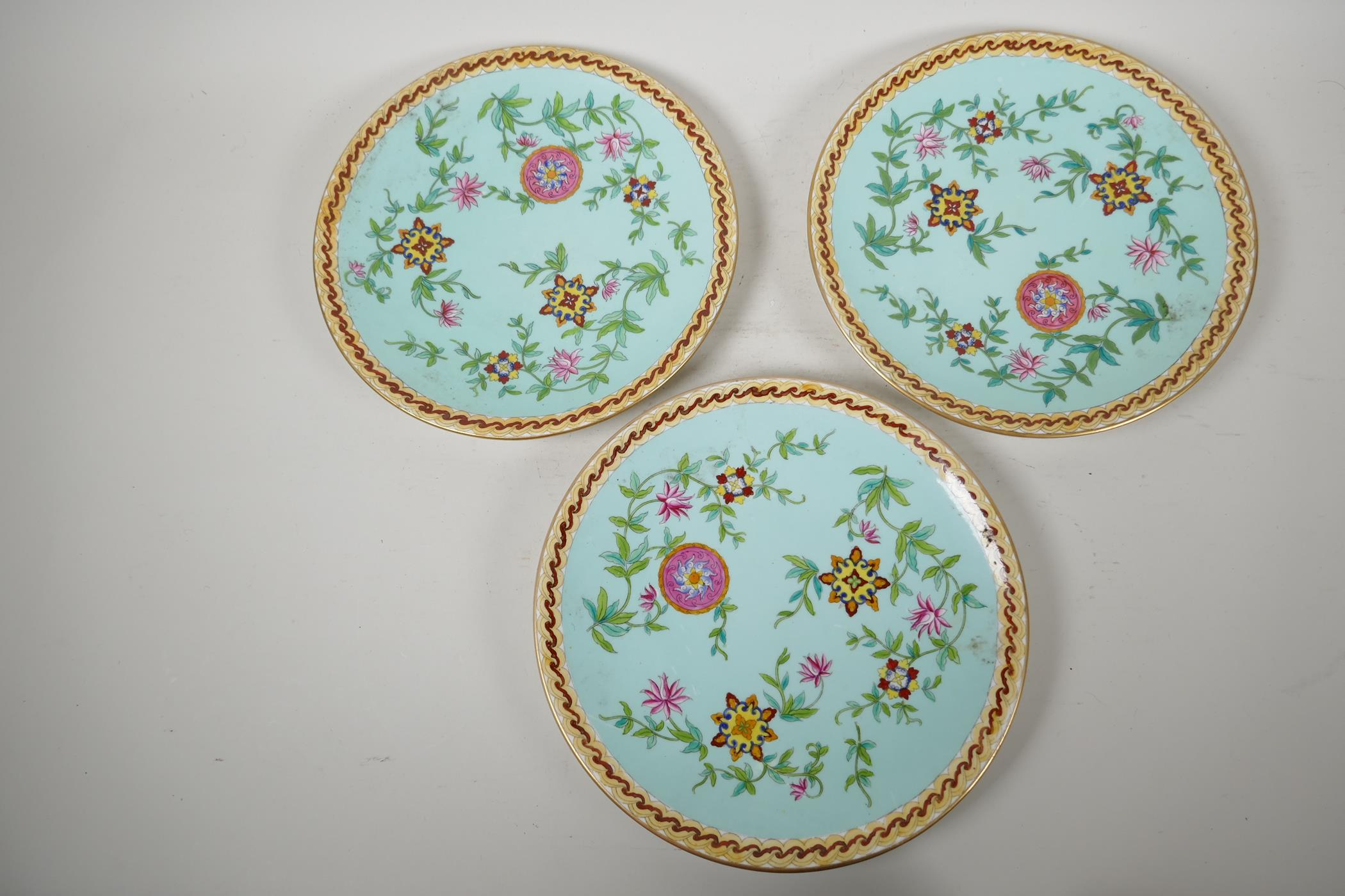 """Three continental porcelain plates decorated in the Oriental manner, 9½"""" diameter - Image 2 of 3"""