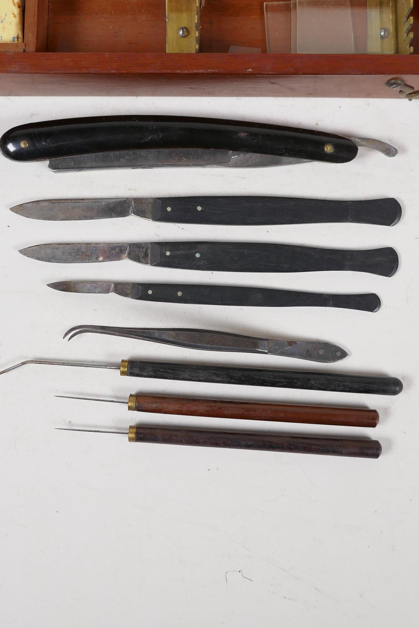 A field surgeons kit by Arnold & Sons, London, for Clive & Co, containing scalpels, a cut throat, - Image 4 of 5