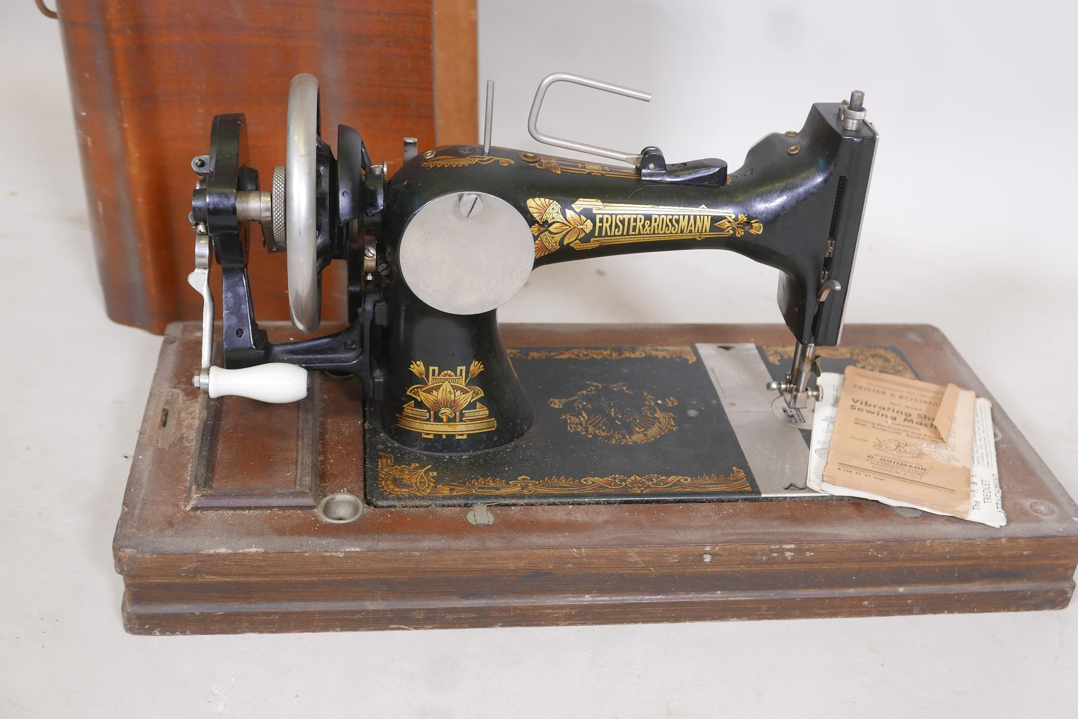 """A Frister & Rossman antique sewing machine in case, 21"""" x 13"""" x 10"""" - Image 2 of 2"""