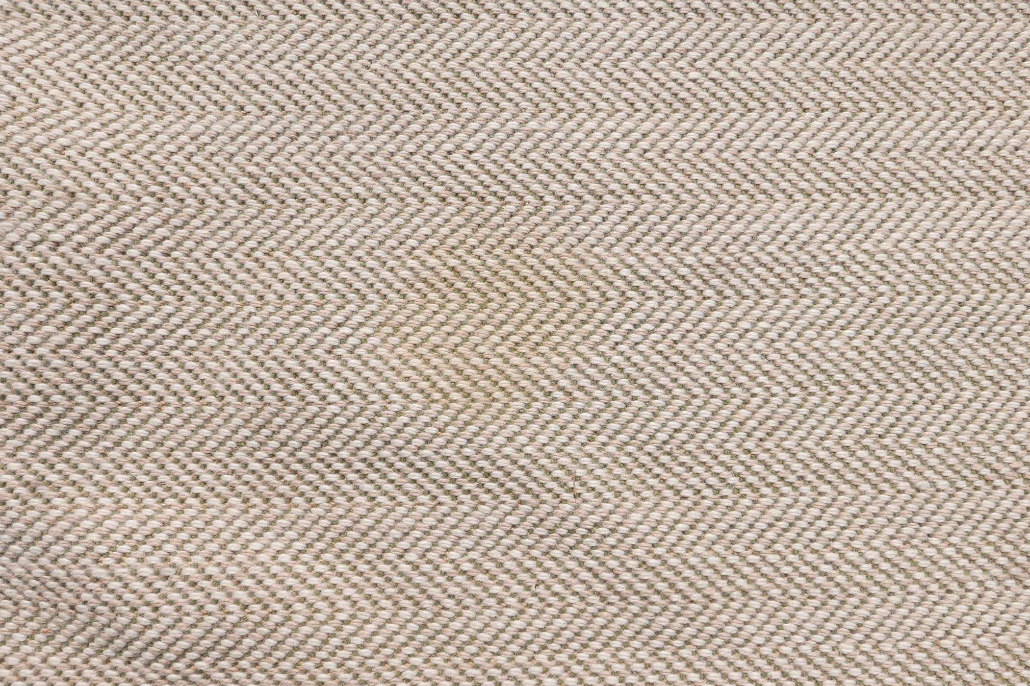 """A woven wool cream and green ground runner, 152"""" x 58"""" - Image 4 of 7"""