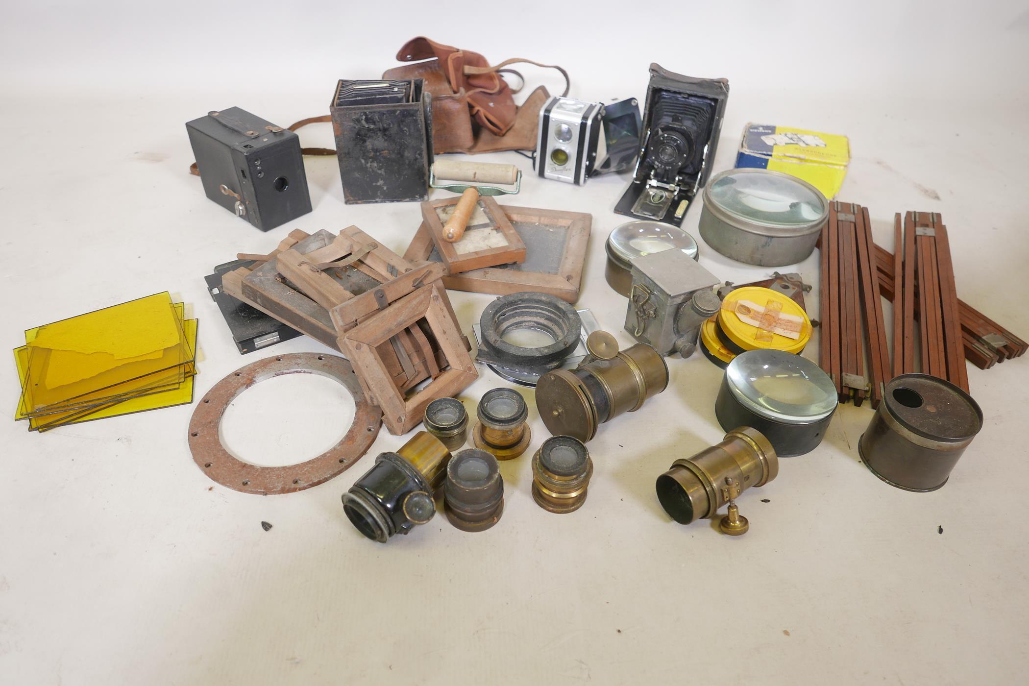 A quantity of antique photography equipment, Engsign Klito, Kodak Duaflex, No2 Hawkeye Model B,