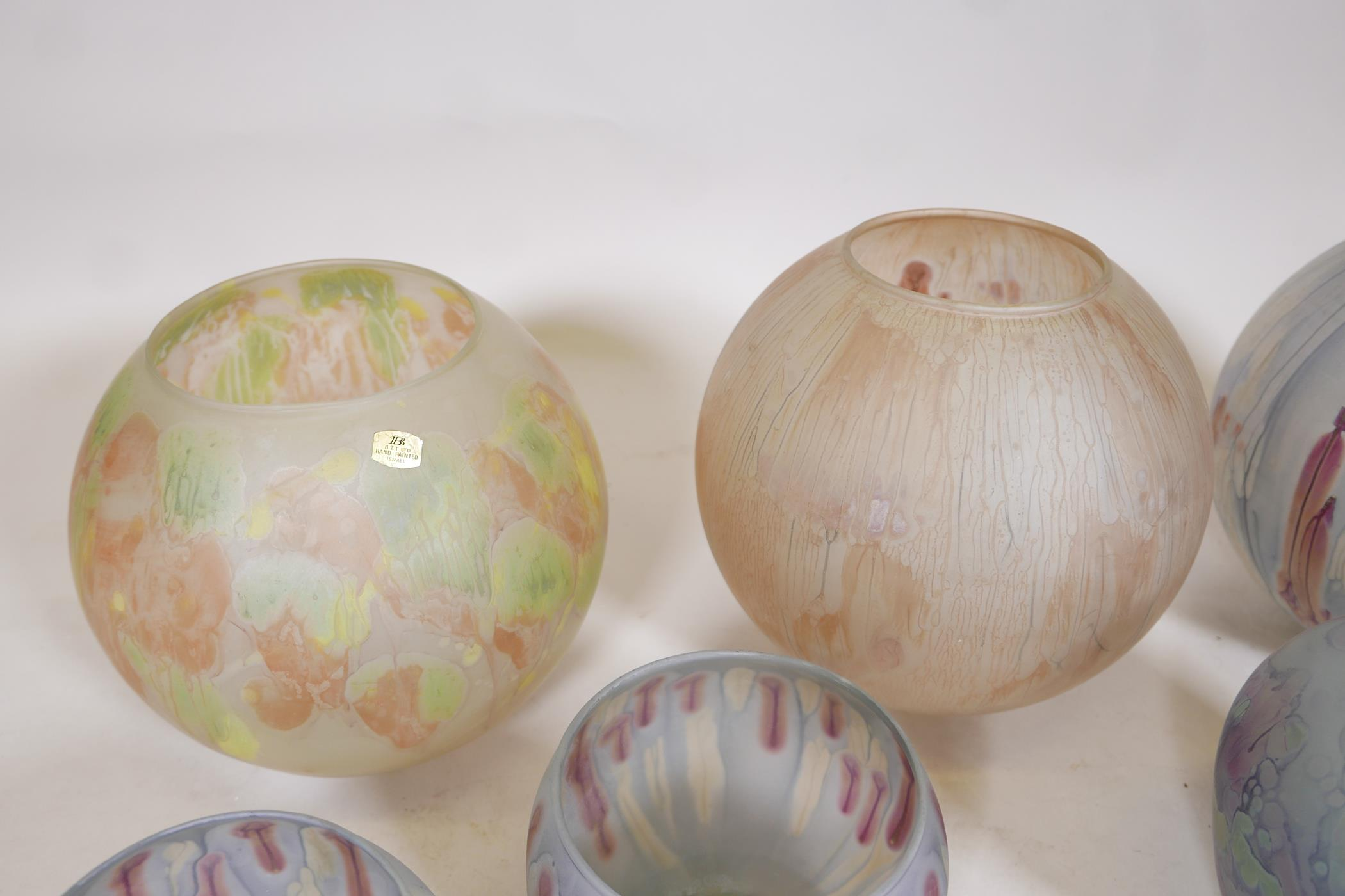 A quantity of Israeli hand painted studio glass to include lamp shades, vases, bowls and dishes, - Image 3 of 8