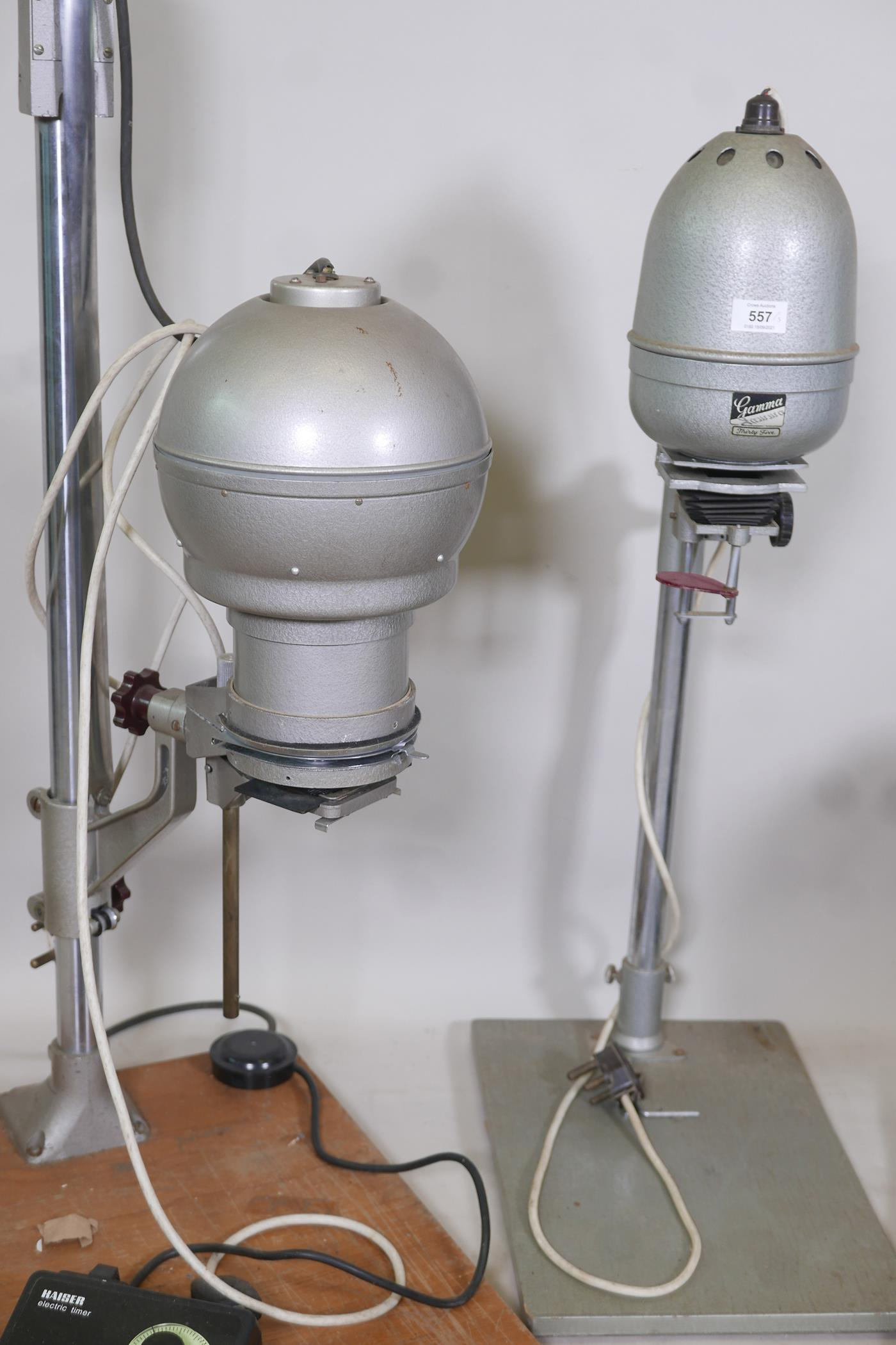 A Gamma 35 photographic enlarger, a LPL C5700 colour enlarger and another with timer - Image 3 of 3