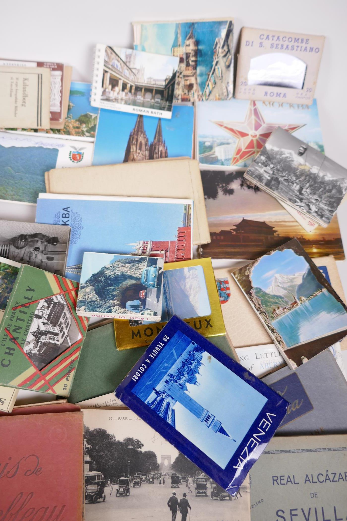 A collection of postcards, mainly topographical to include USA approx 800, and a collection of - Image 2 of 10