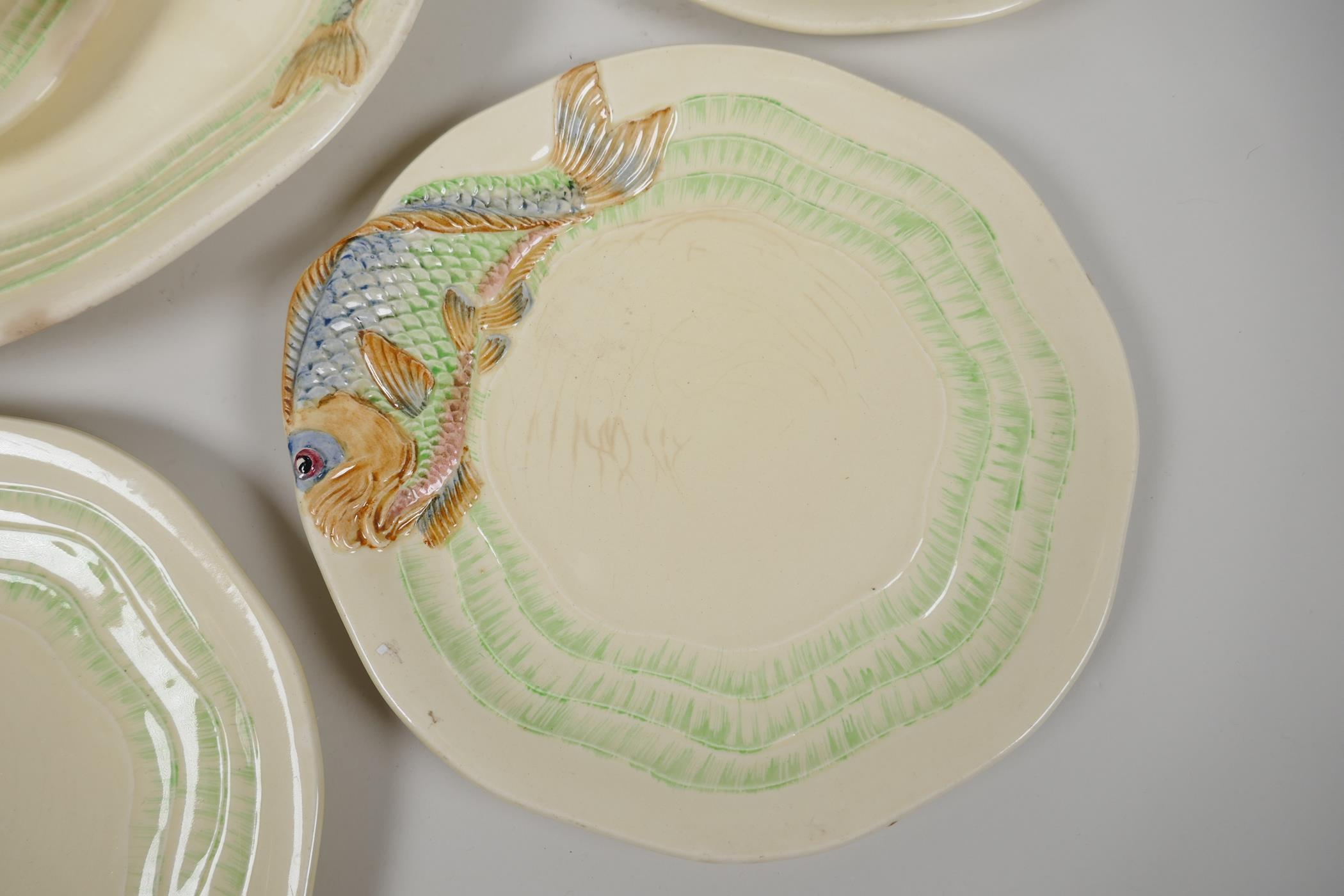 """Clarice Cliff for Wilkinson, a nine piece fish service, serving plate 15"""" x 10"""", six 8½"""" plates, - Image 3 of 5"""