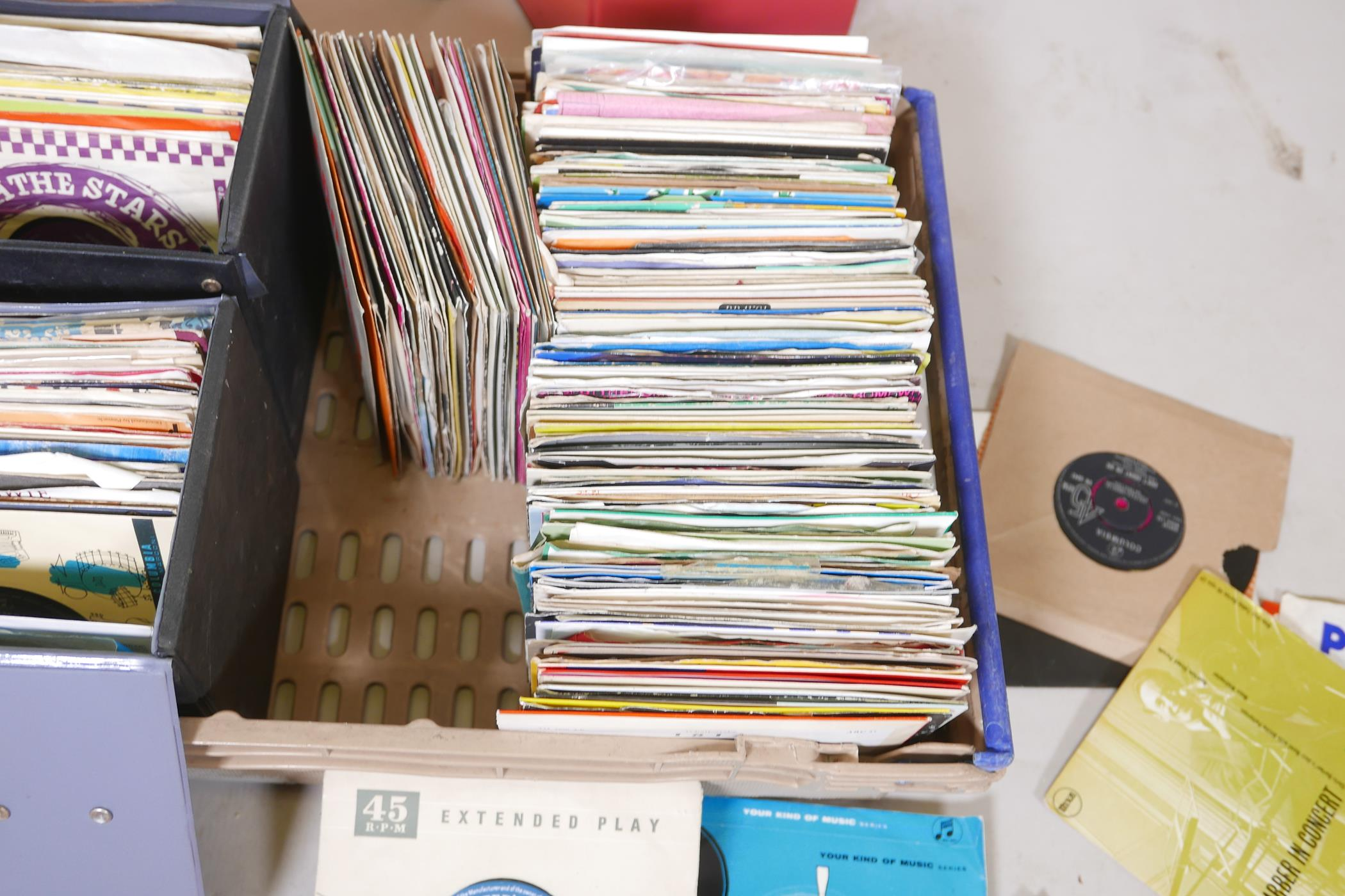 A large quantity of 45 vinyl singles, pop, classical, jazz, world etc, and four singles carry cases - Image 3 of 4