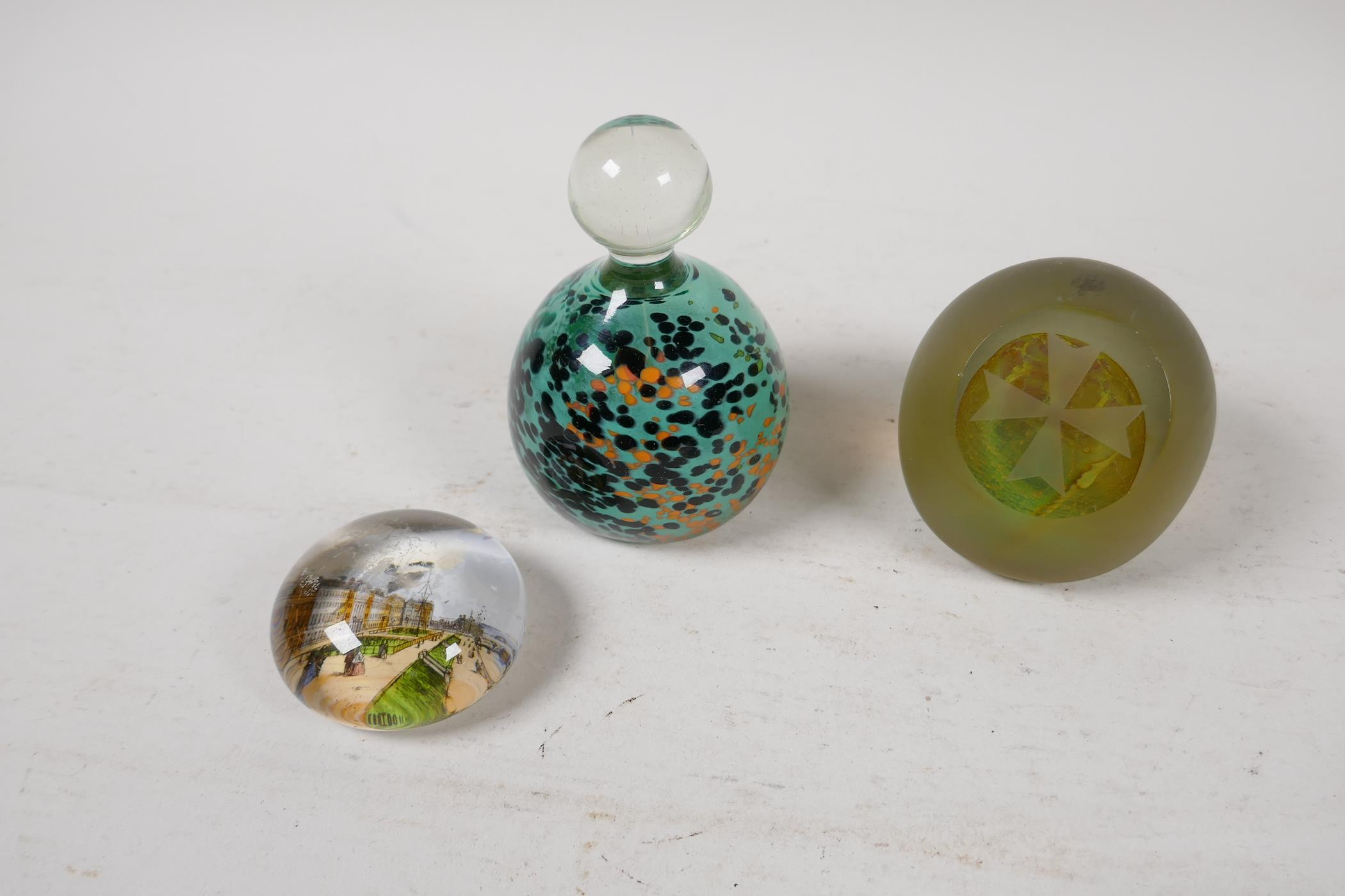A 1930s Scottish floral glass paperweight by Salvador Ysart, a Caithness yellow carnation glass - Image 7 of 7