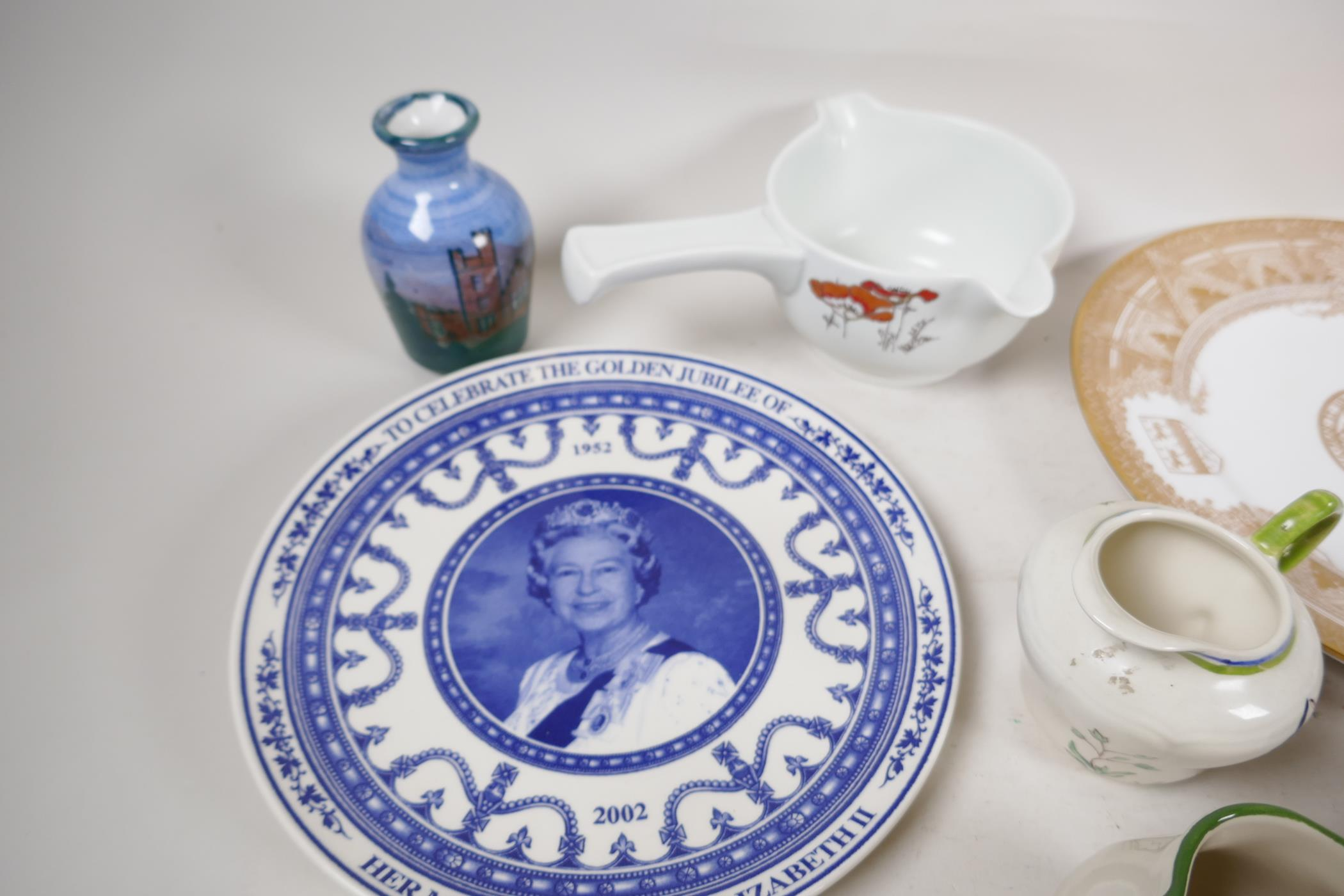 A quantity of decorative pottery and porcelain to include Royal Doulton, Wedgwood, Spode etc - Image 5 of 6