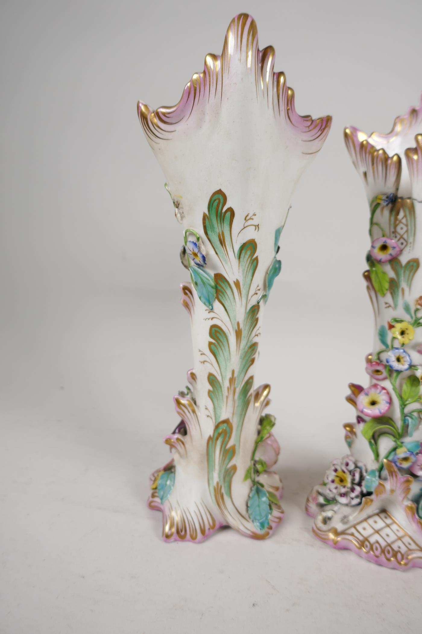 """A pair of C19th flower encrusted spill vases, A/F, 10"""" high - Image 4 of 4"""