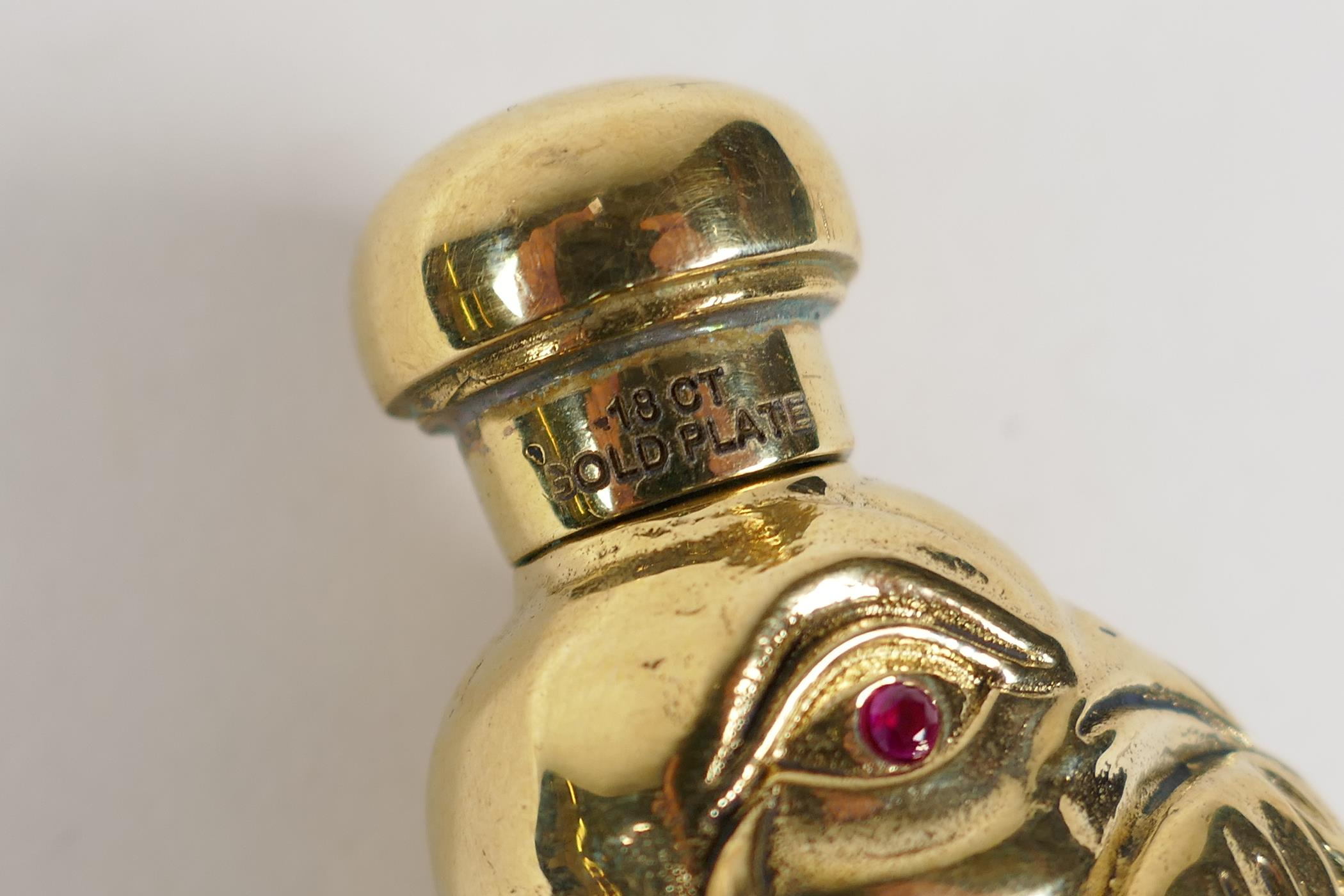 """An 18ct gold plated perfume bottle in the form of a bird, 3"""" - Image 3 of 3"""