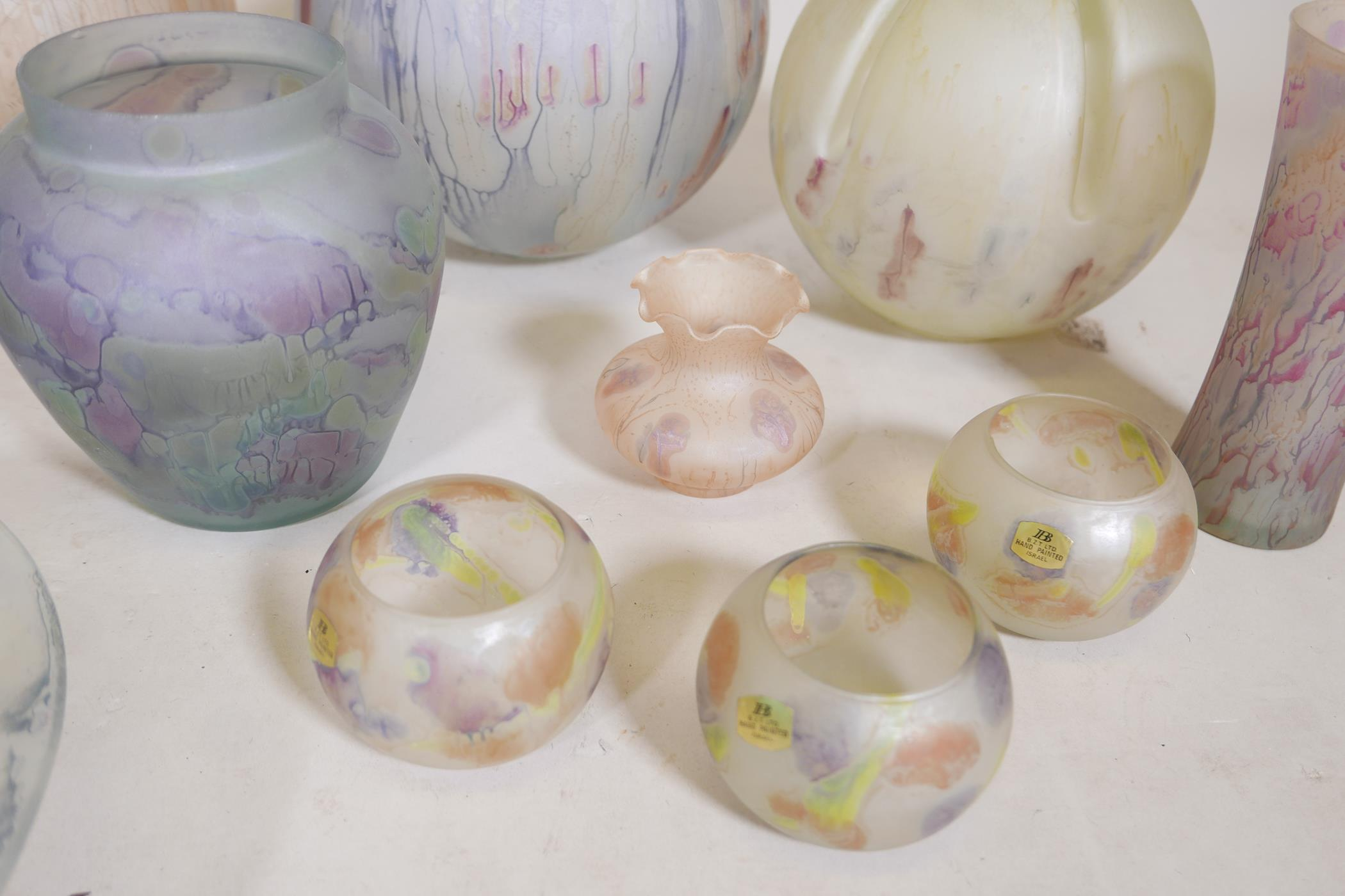 A quantity of Israeli hand painted studio glass to include lamp shades, vases, bowls and dishes, - Image 5 of 8
