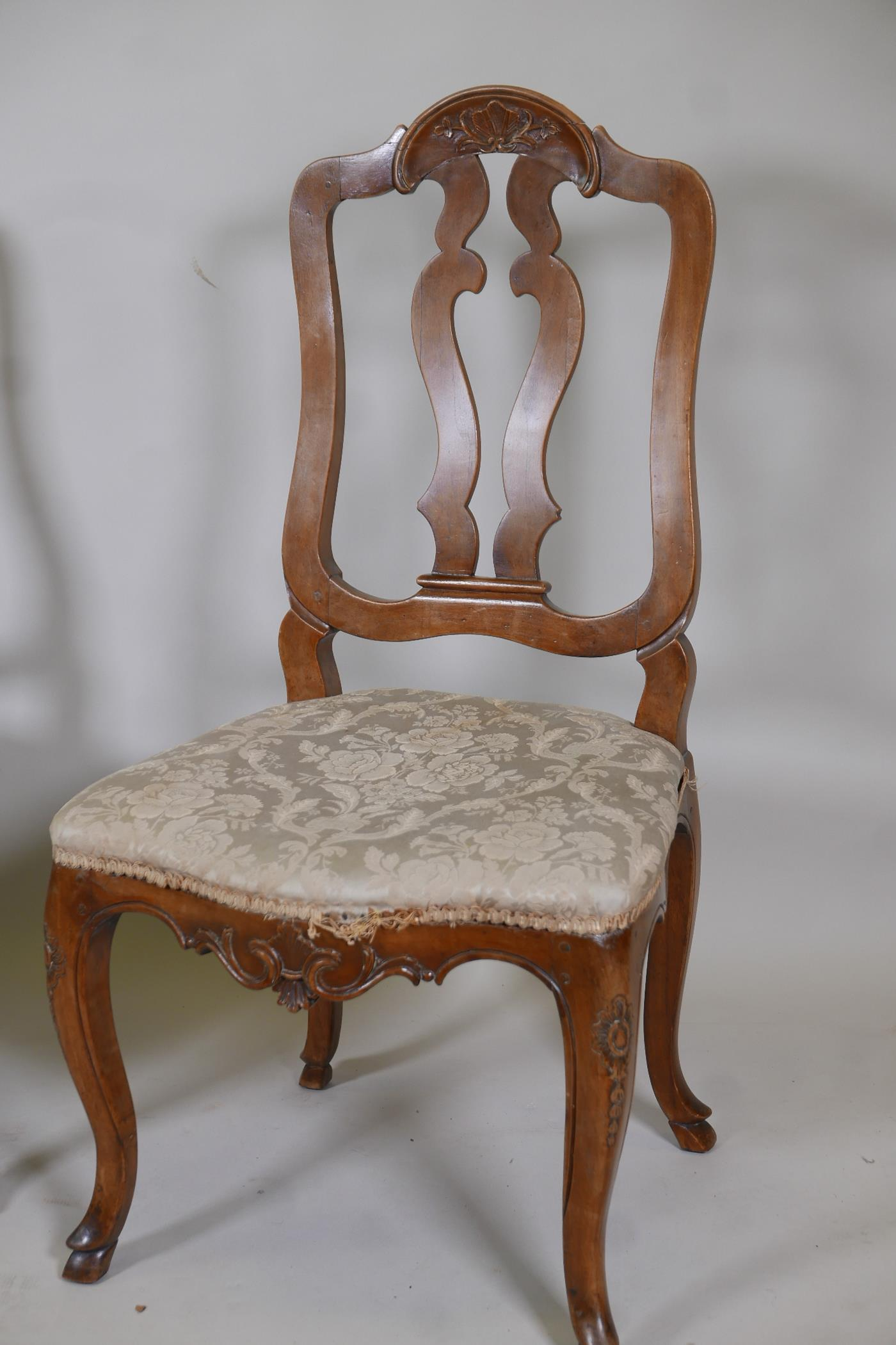 A pair of C18th French walnut pierced splat back side chairs with finely carved decoration, raised - Image 2 of 7